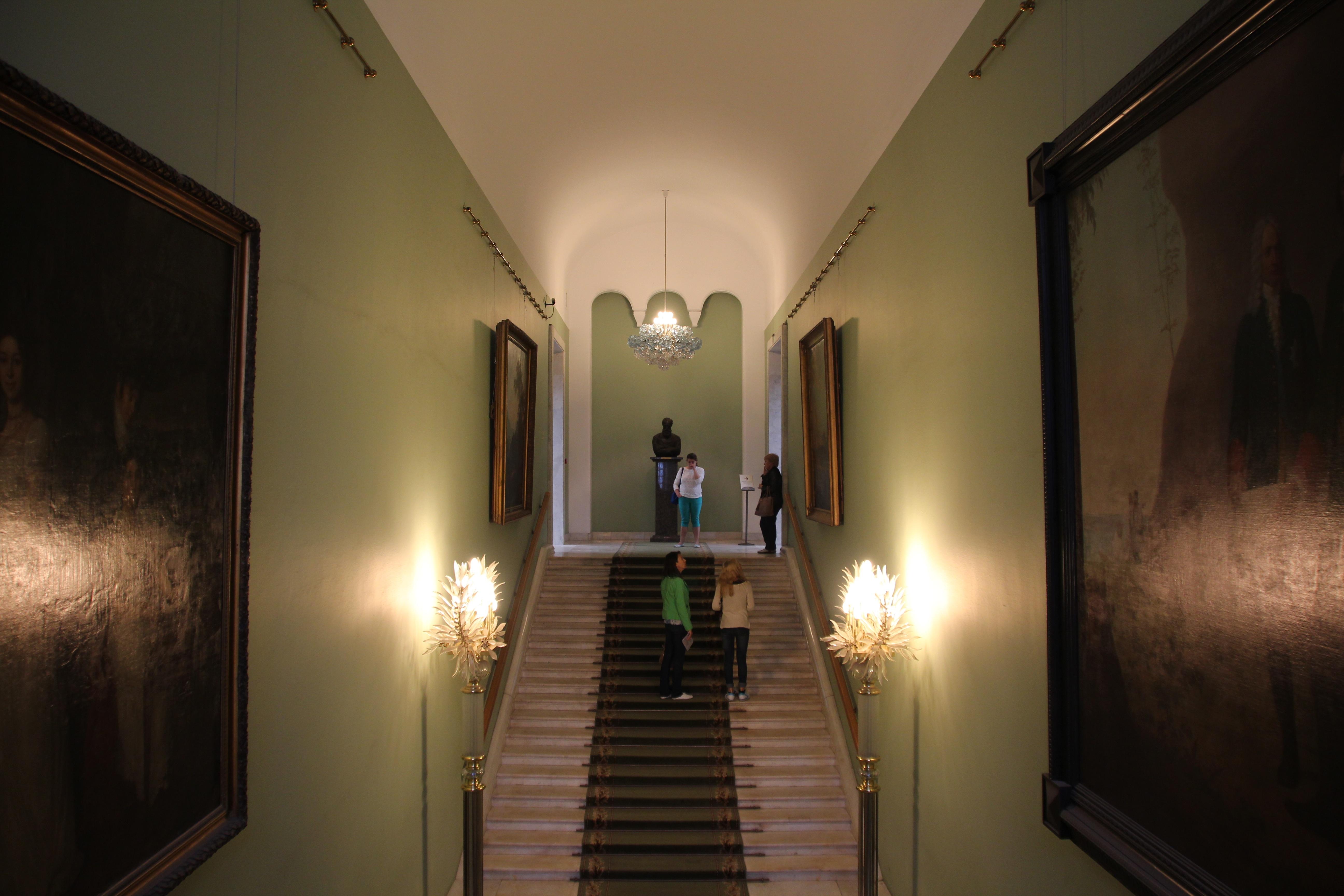 Iluminacion escaleras interiores interesting vidaxl foco - Iluminacion de escaleras ...