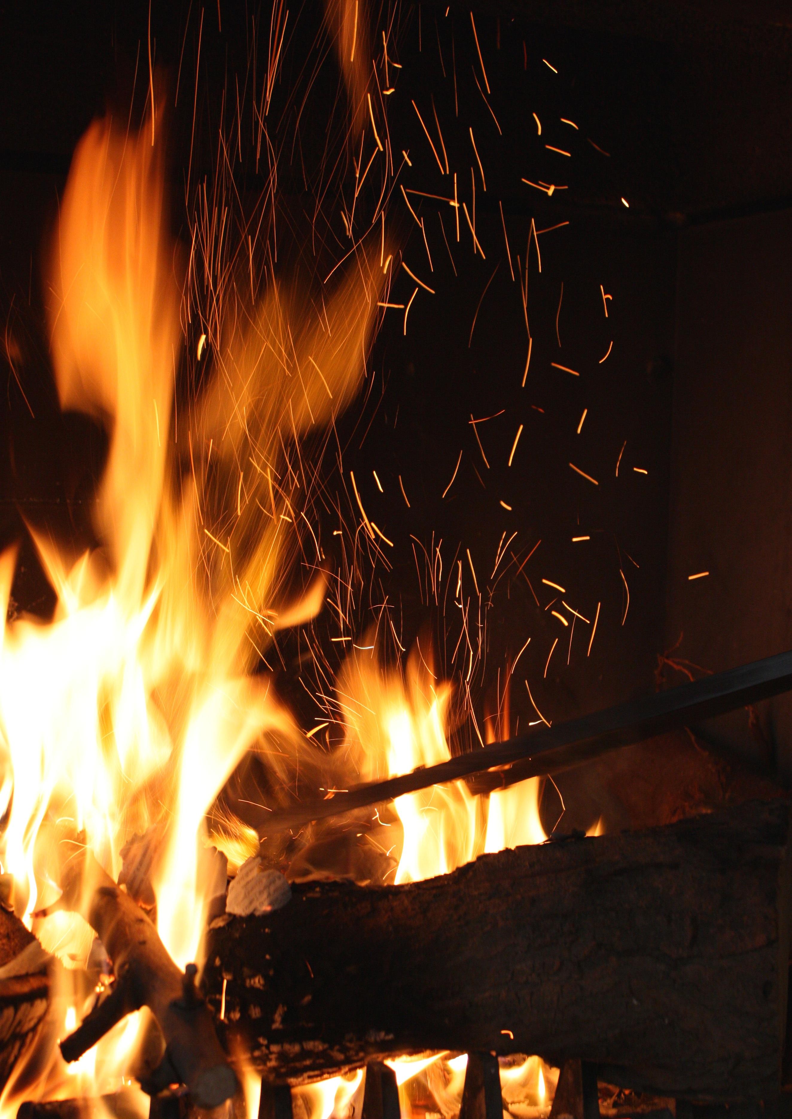 images gratuites lumi re nuit atmosph re flamme chemin e obscurit feu de camp feu. Black Bedroom Furniture Sets. Home Design Ideas
