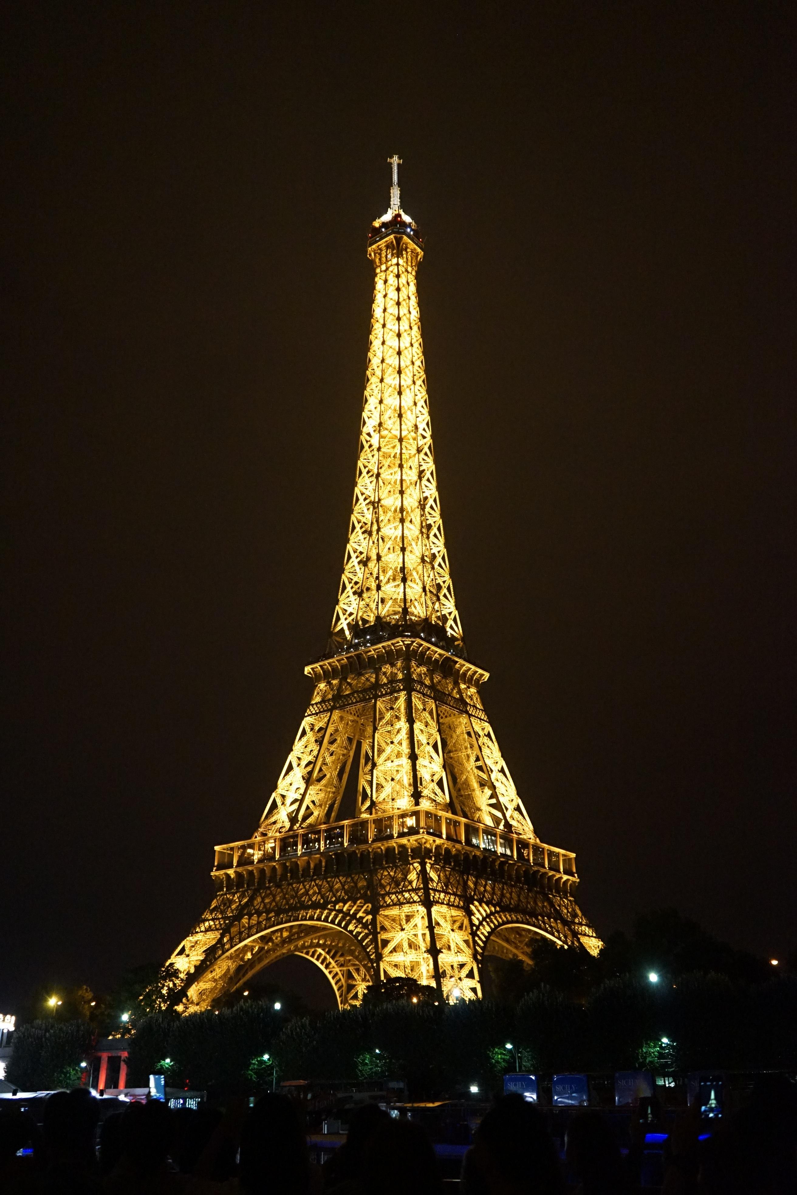 Free light night evening tower landmark christmas tree