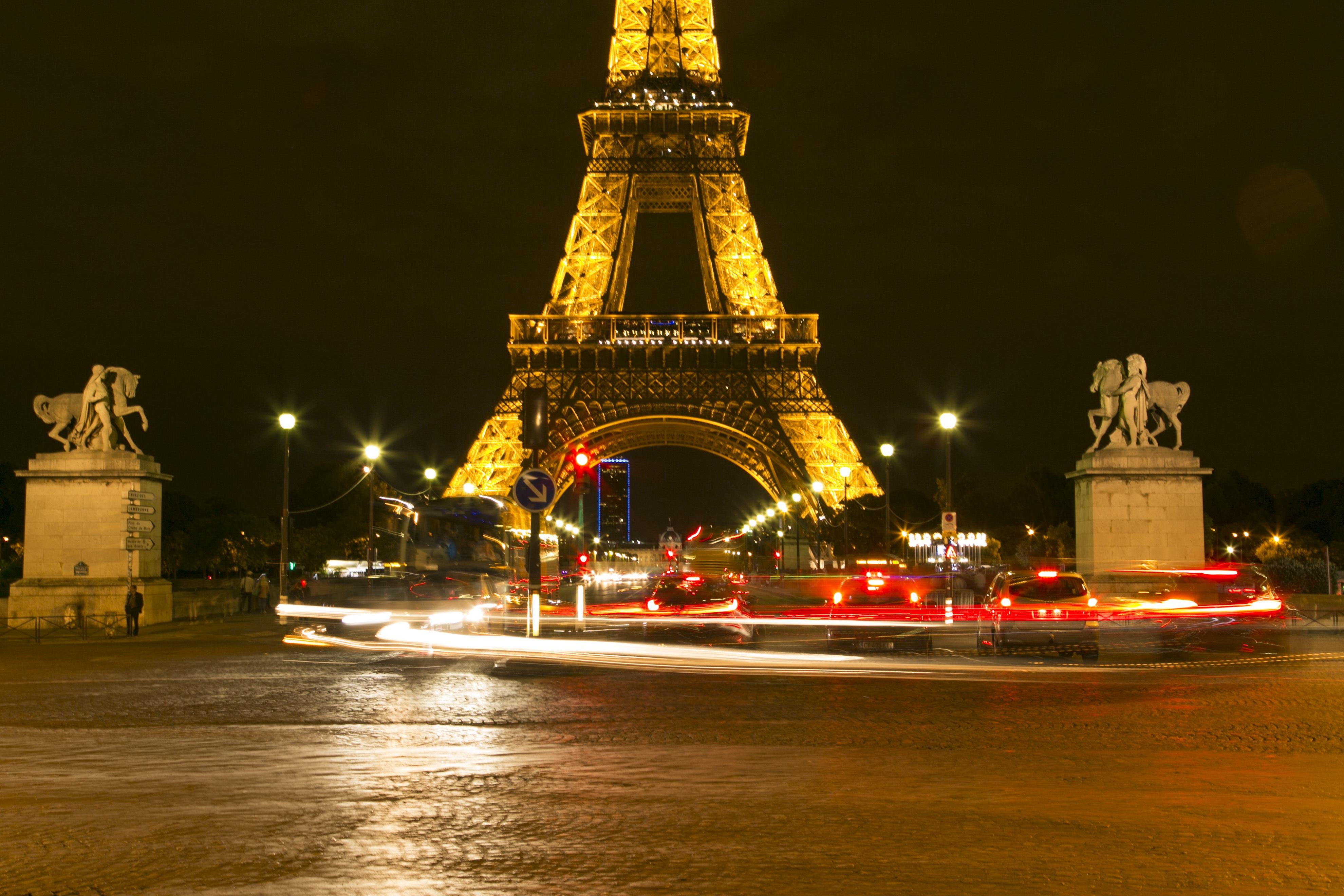 ligero noche pars noche torre punto de referencia navidad rbol de navidad decoracin navidea vista nocturna