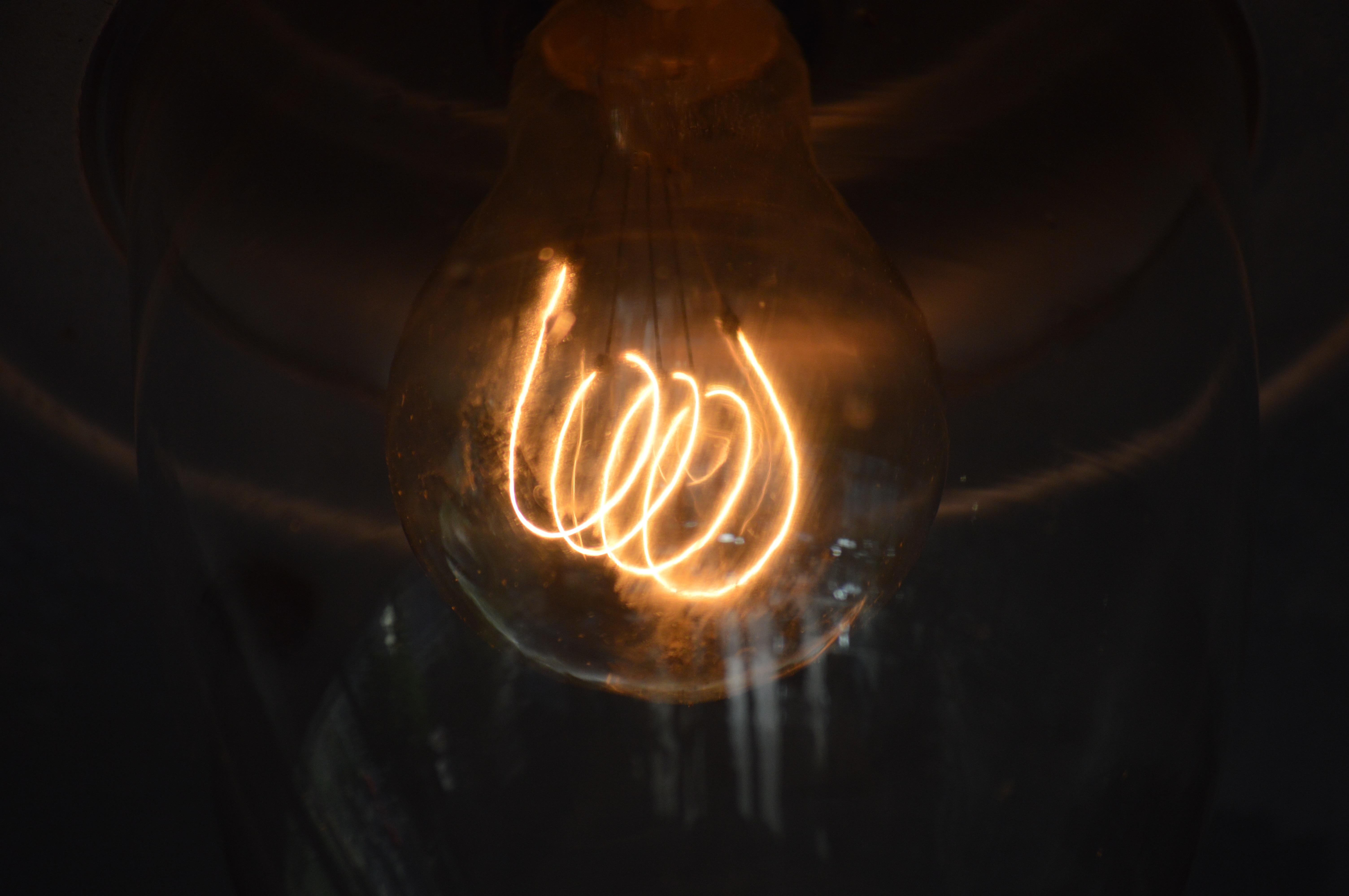 Gratis afbeeldingen licht nacht spelen glas reflectie vlam