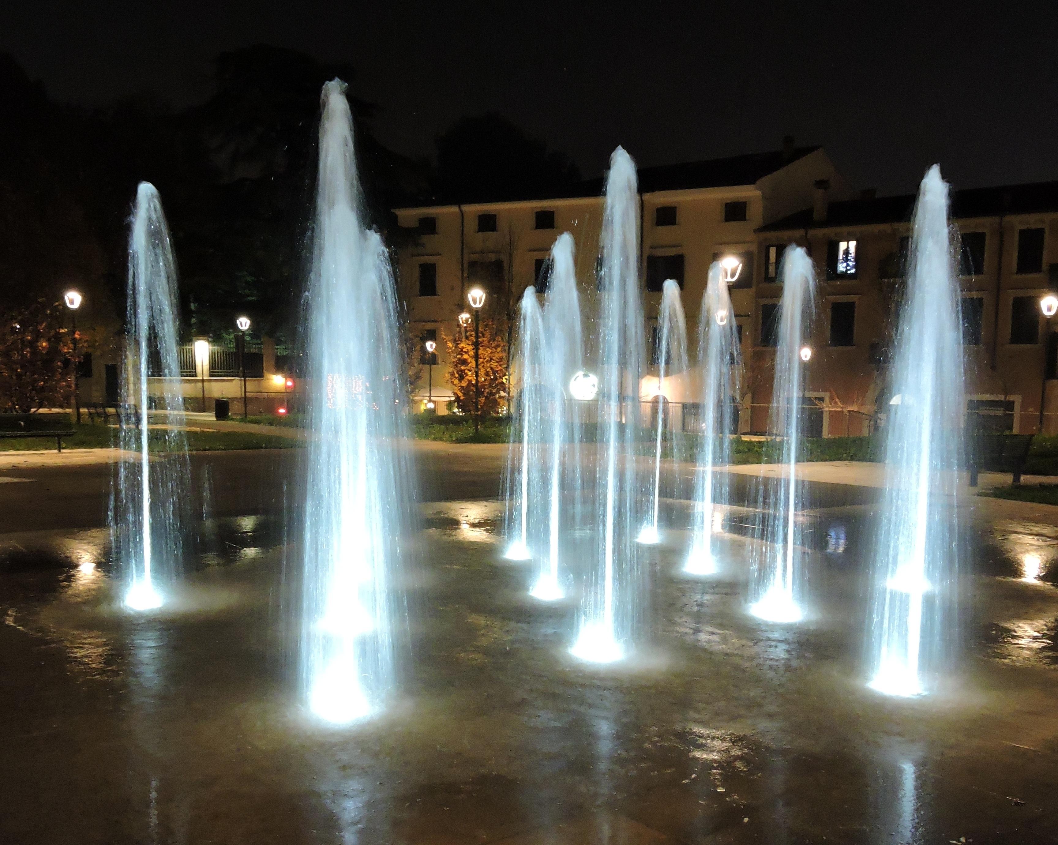 Kostenlose Foto Licht Nacht Betrachtung Beleuchtung Brunnen