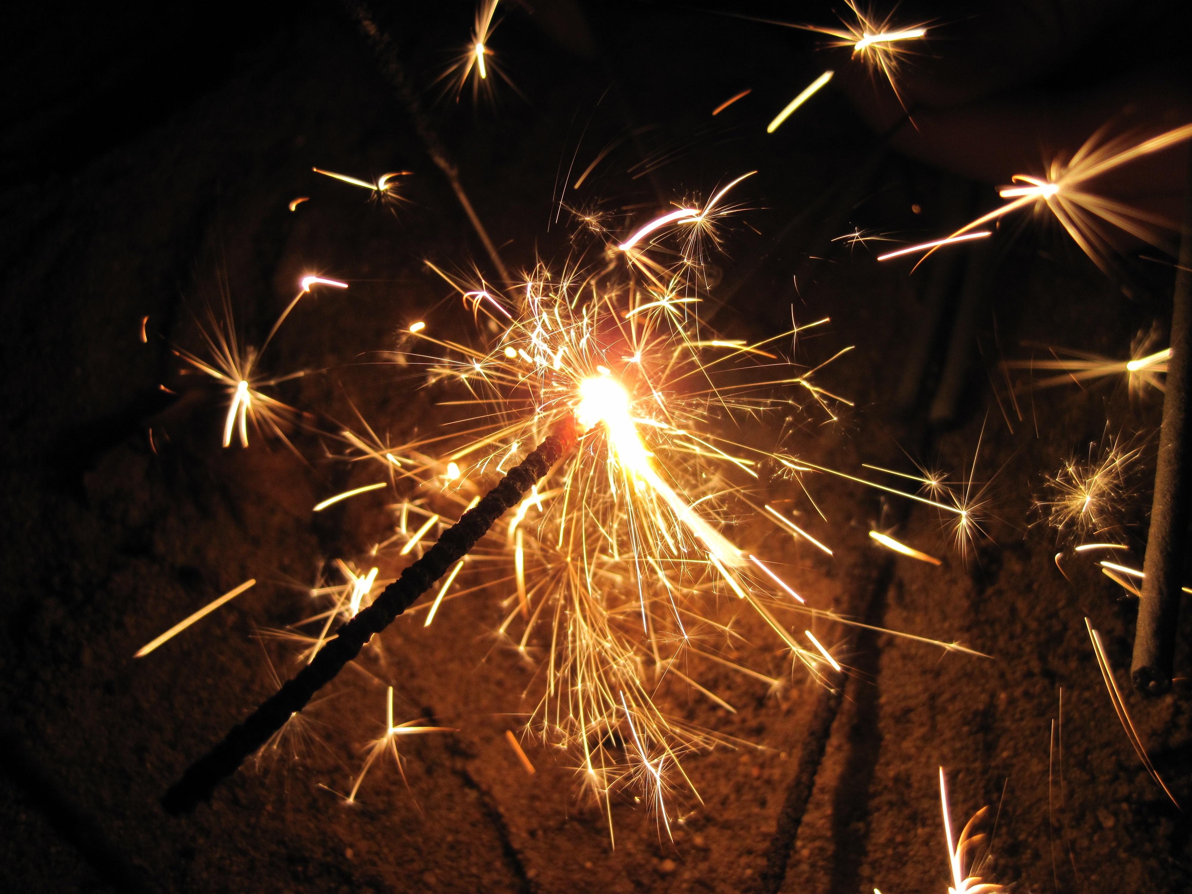 бенгальские огни фото новый год достаточно простой способ