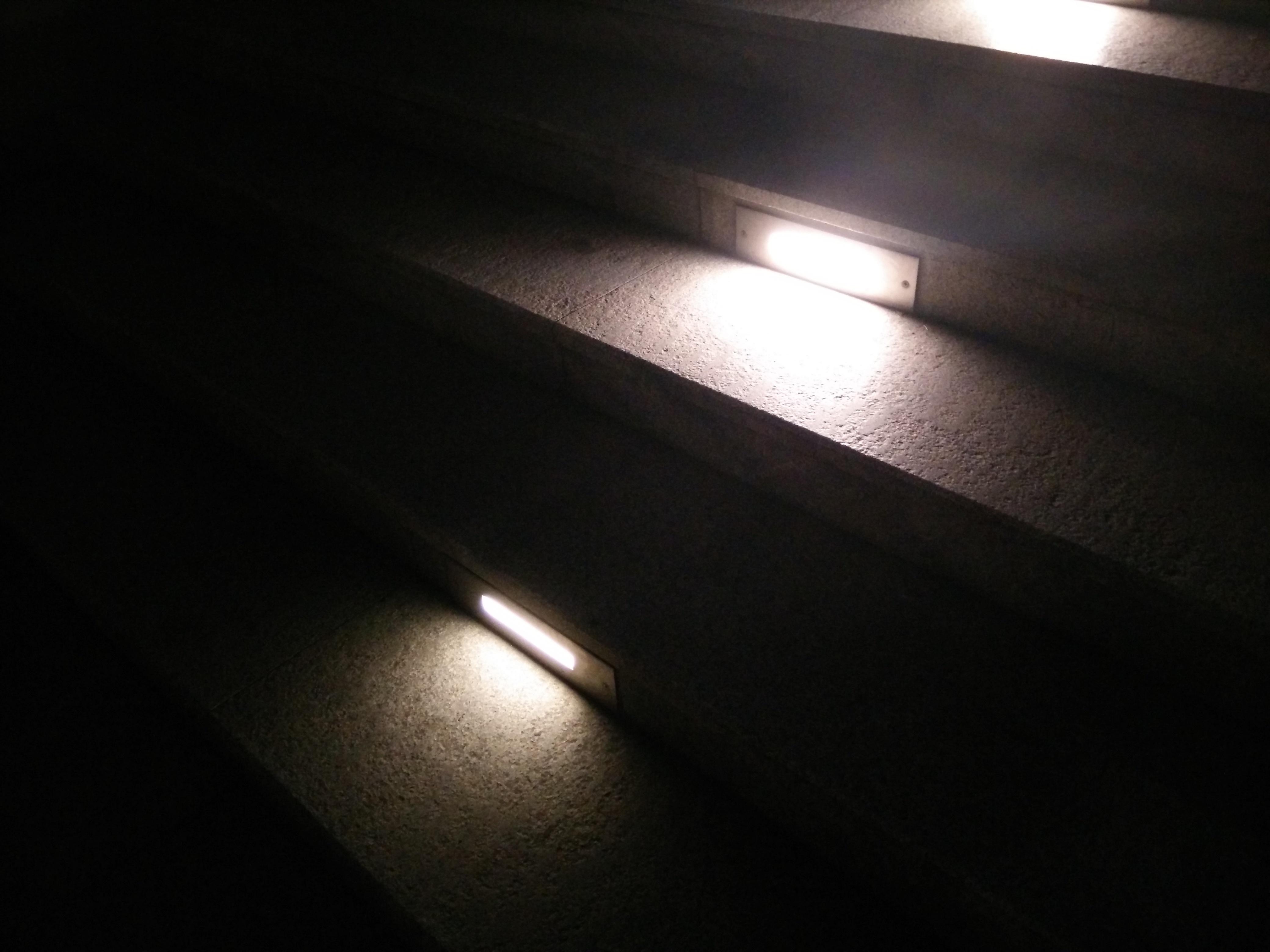 Kostenlose Foto : Licht, Nacht , Treppe, Innere, Atmosphäre, Schritt,  Schritte, Linie, Schatten, Dunkelheit, Schwarz, Die Glühbirne, Beleuchtung,  Steigen, ...