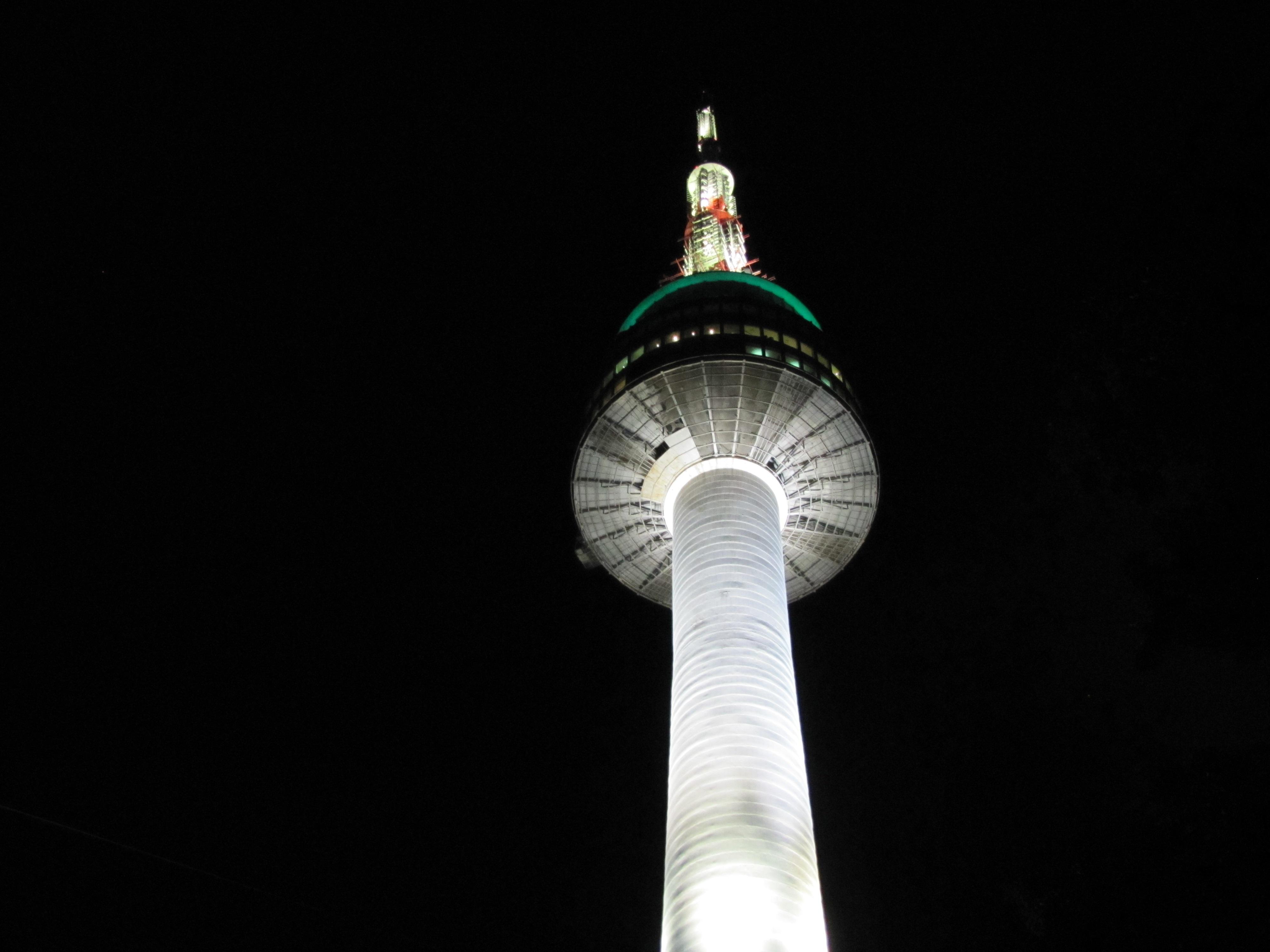 hình ảnh : ánh sáng, đêm, Tháp, bóng tối, đèn đường, thắp sáng, Đối xứng, Ánh sáng fixture, Seoul, Namsan, N tháp 4000x3000