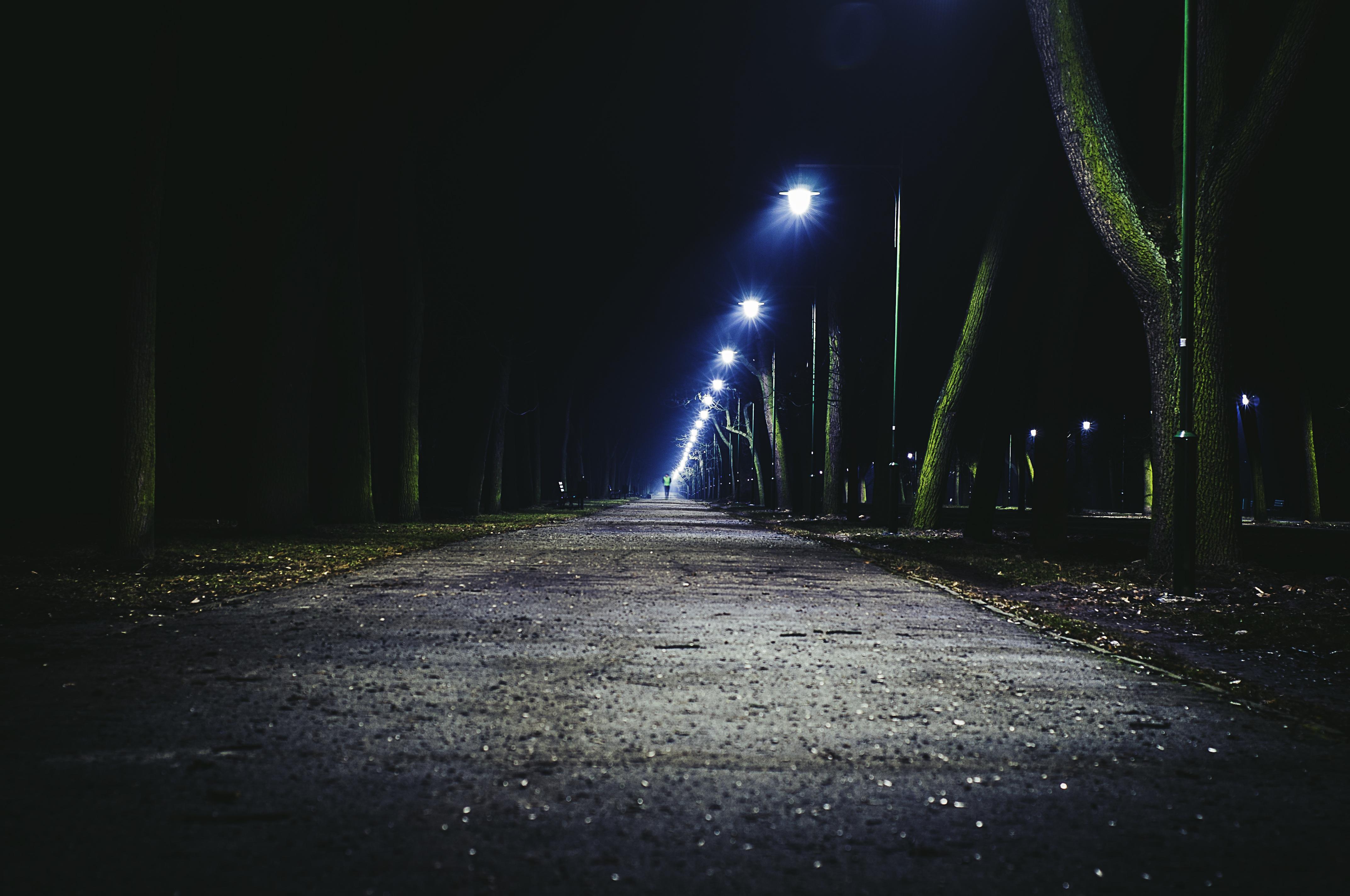 темное фото ночная съемка как сделать светлым открытки подарочные