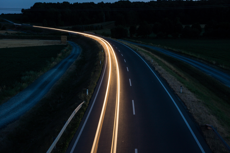 kostenlose foto licht stra e der verkehr nacht autobahn fahren abend dunkelheit. Black Bedroom Furniture Sets. Home Design Ideas