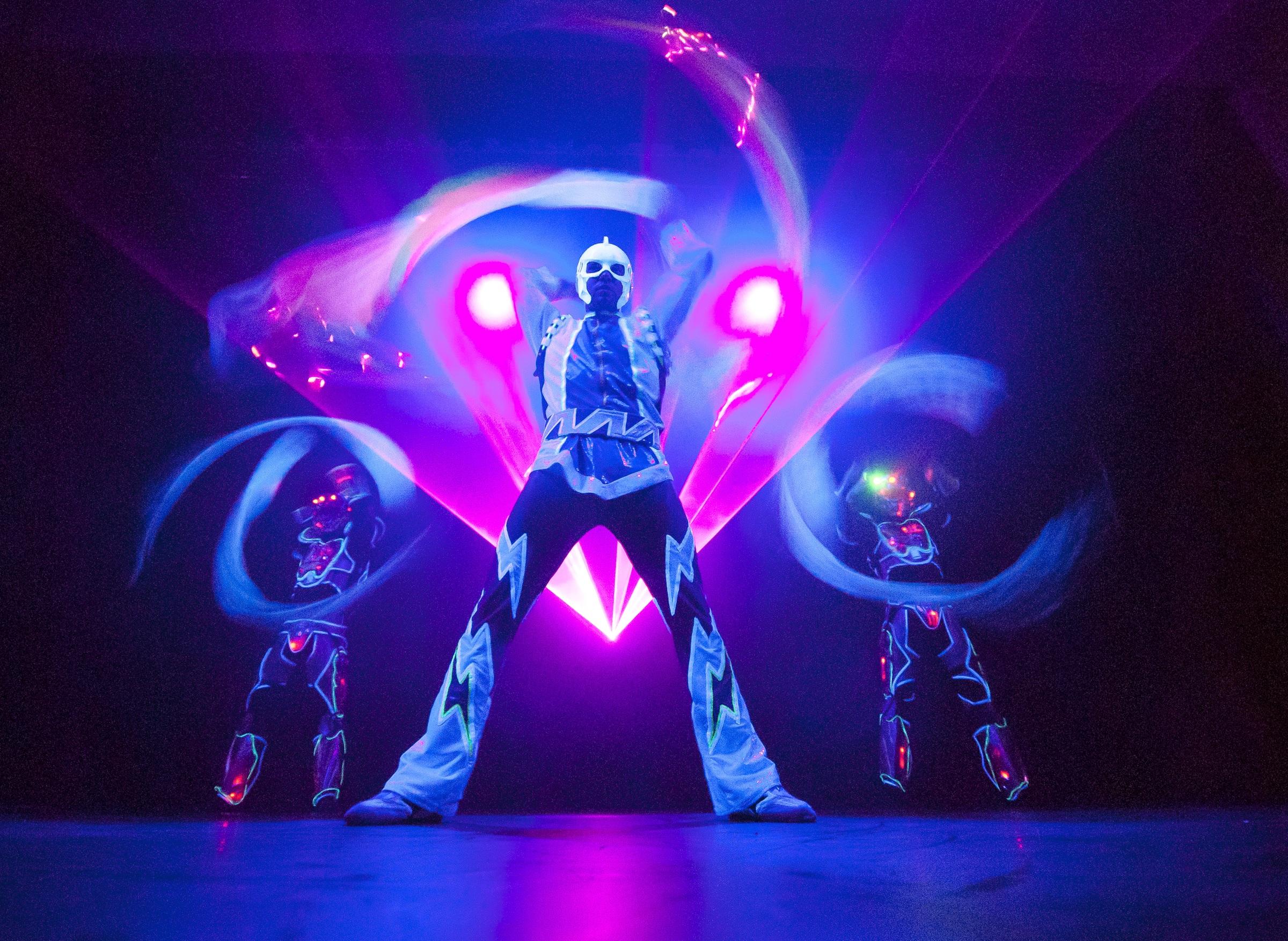blacklight lights thailand travel lighting run glow skechers lifestyle black party