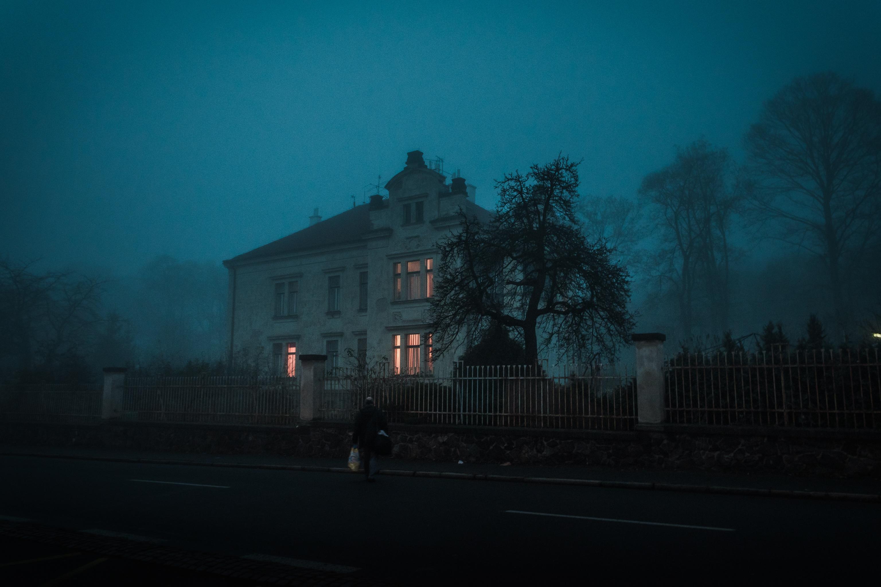 light sky fog mist night morning dawn atmosphere dusk evening weather darkness street light lighting moonlight & Free Images : sky fog mist night morning dawn atmosphere ... azcodes.com