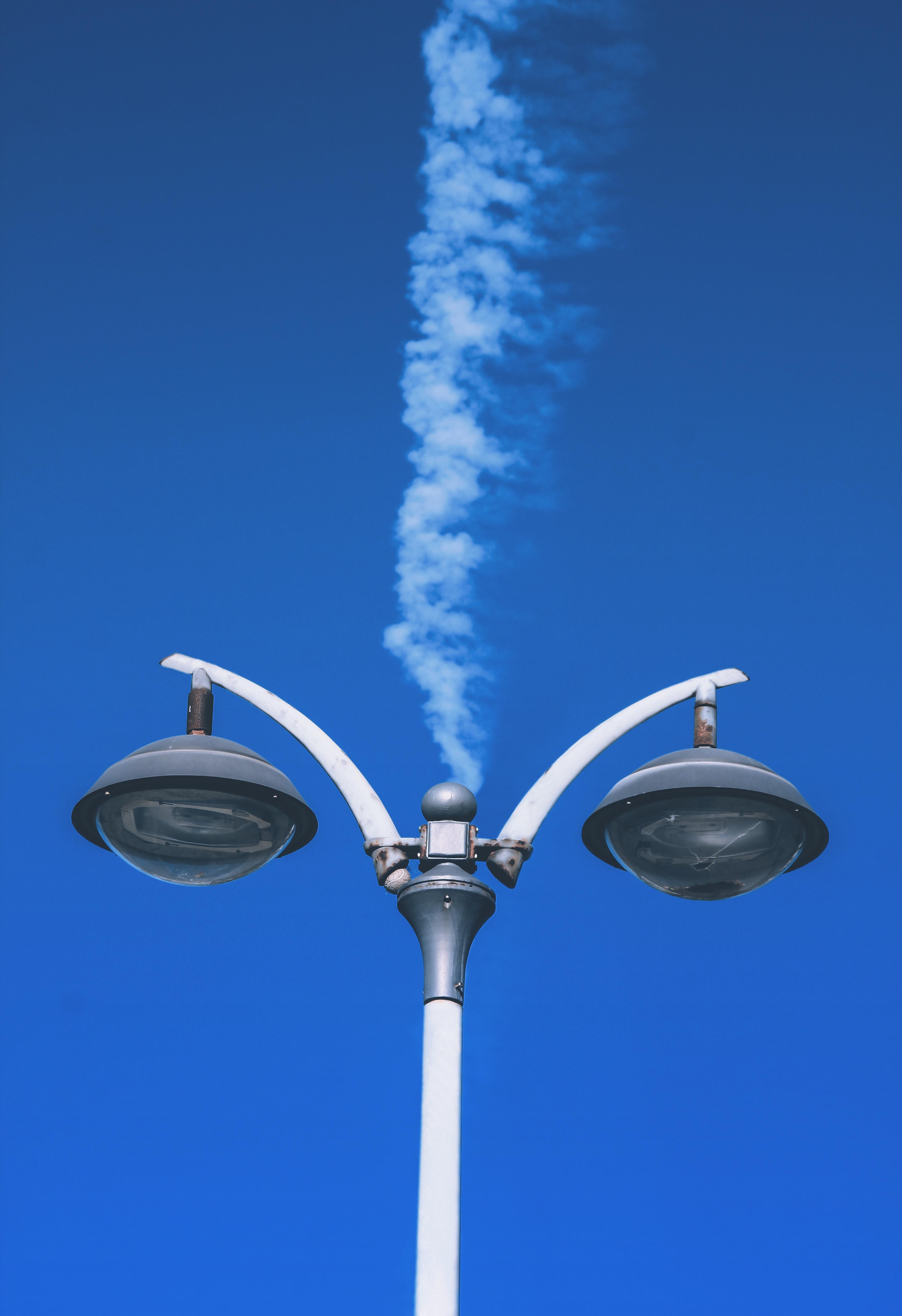 images gratuites lumi re ciel vent bleu olienne clairage public luminaire atmosph re. Black Bedroom Furniture Sets. Home Design Ideas