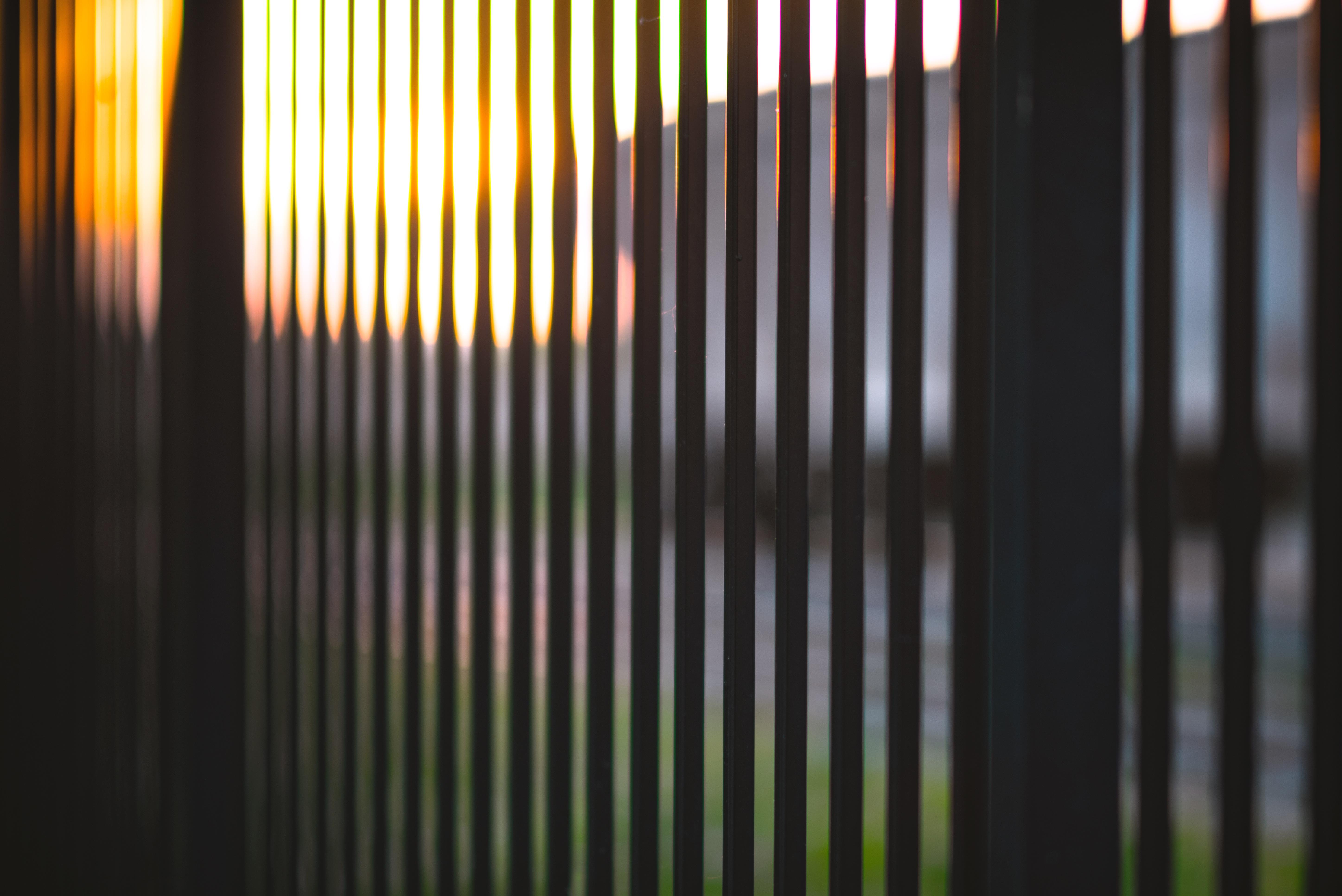 무료 이미지 : 햇빛, 선, 커튼, 조명, 인테리어 디자인, 대칭 ...