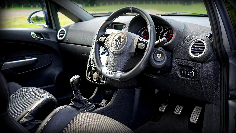 images gratuites lumire la technologie cuir roue air sige intrieur voyage transport vhicule quipement conduire auto noir la vitesse