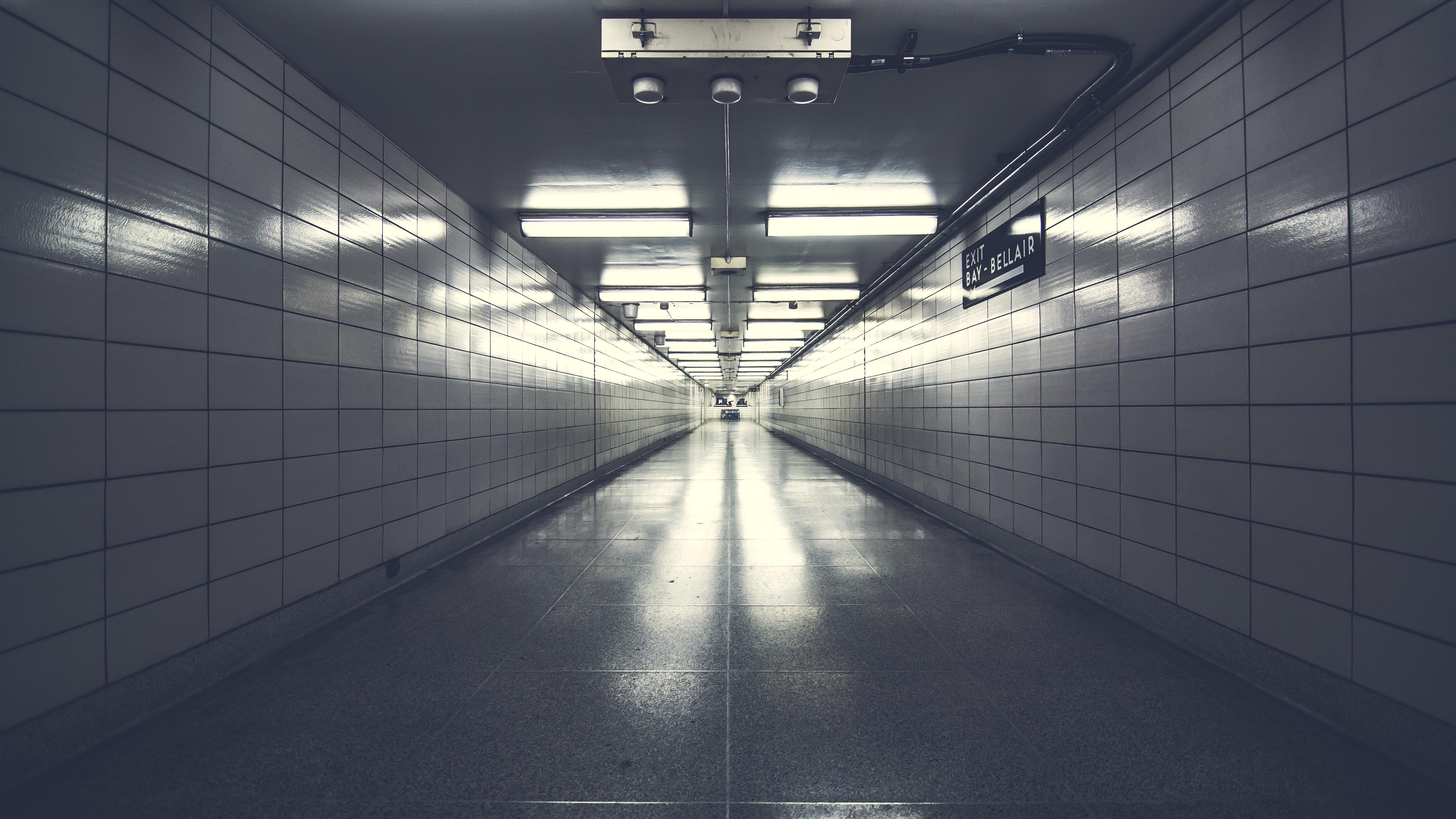 Gratis Afbeeldingen : licht, wit, tunnel, metro, lijn, hal ...