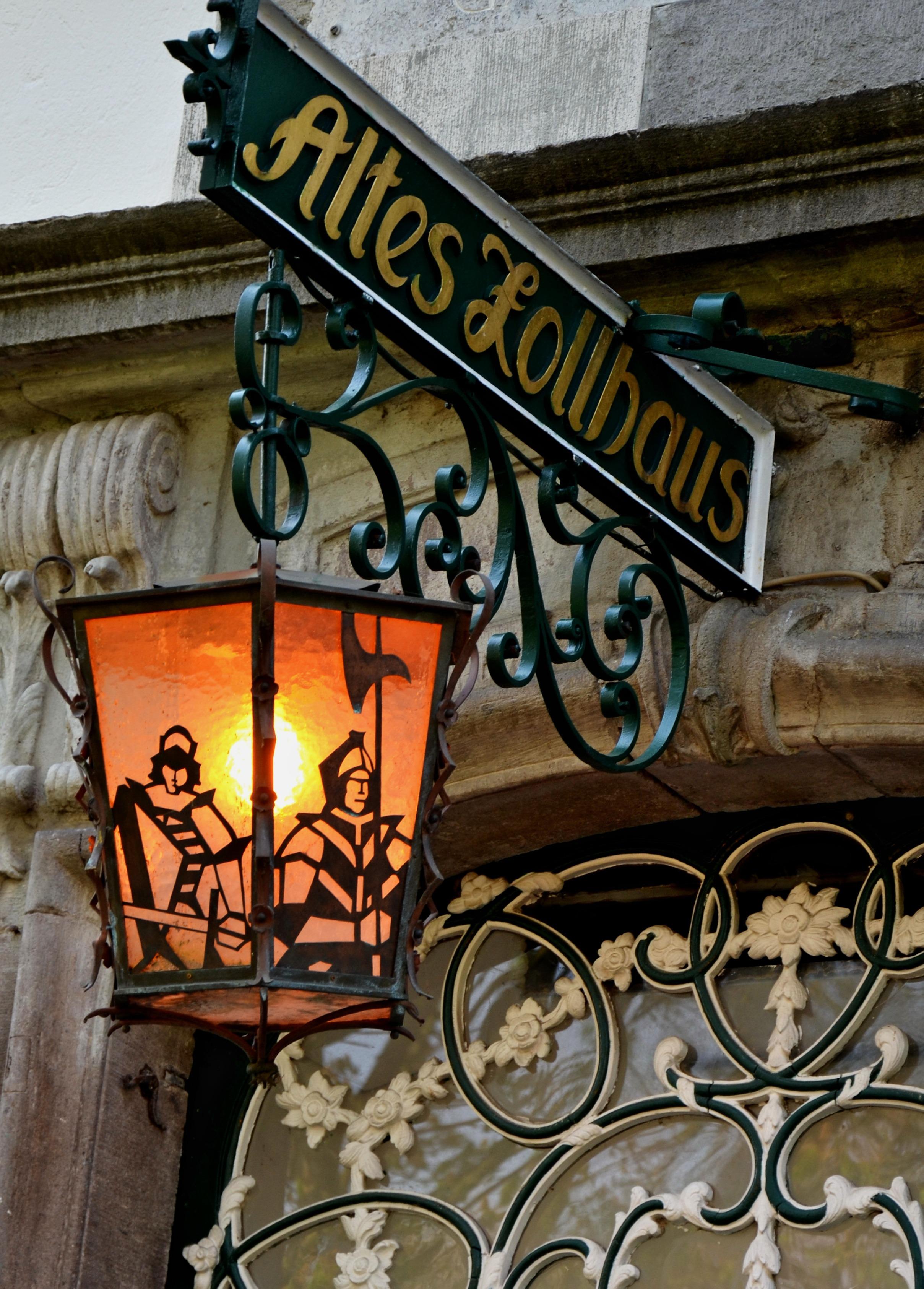 Gratis Afbeeldingen : licht, venster, teken, lantaarn, lamp ...