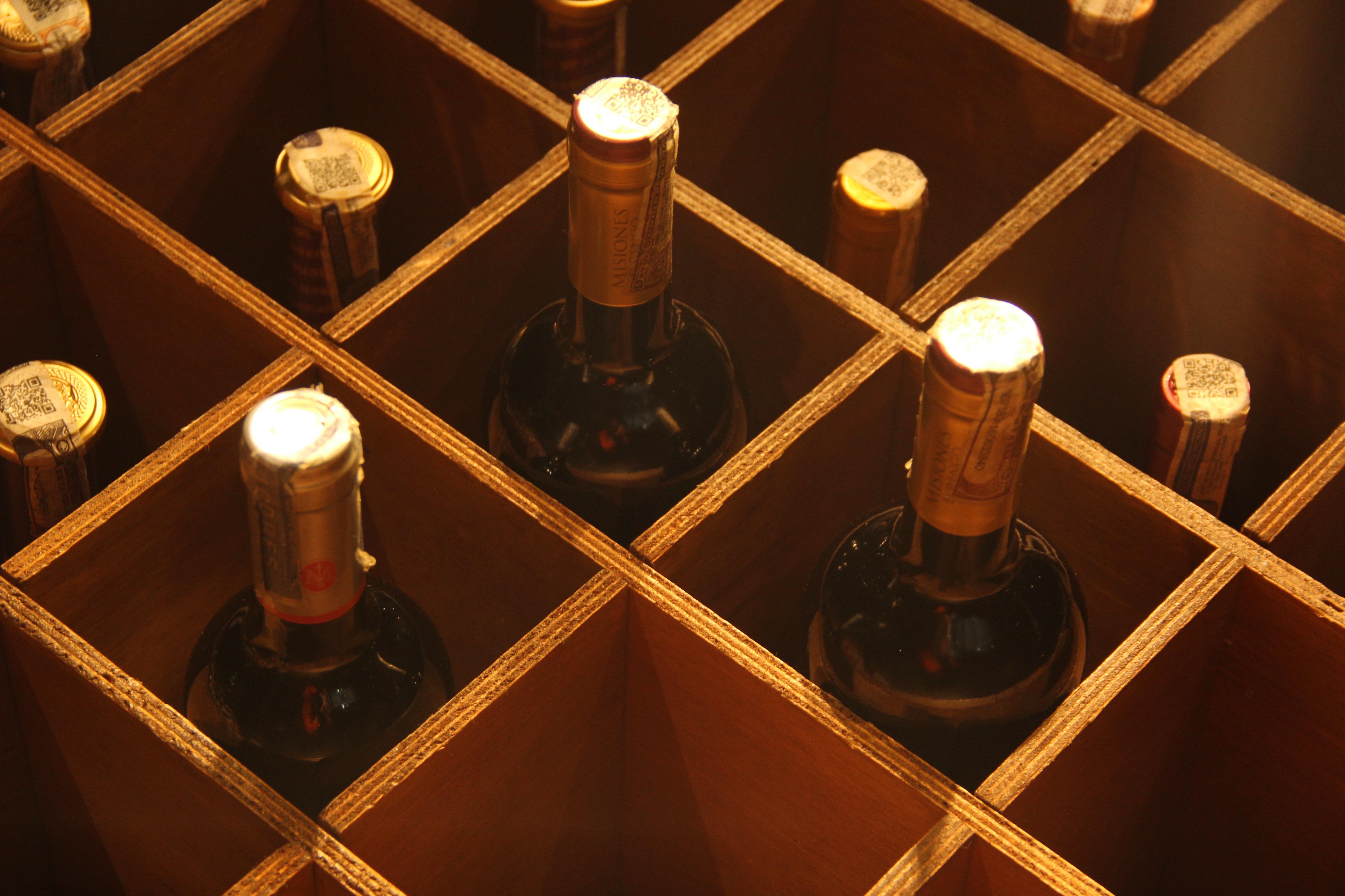 wine lighting. Light Wine Glass Darkness Lighting Symmetry Shape Screenshot Tasting