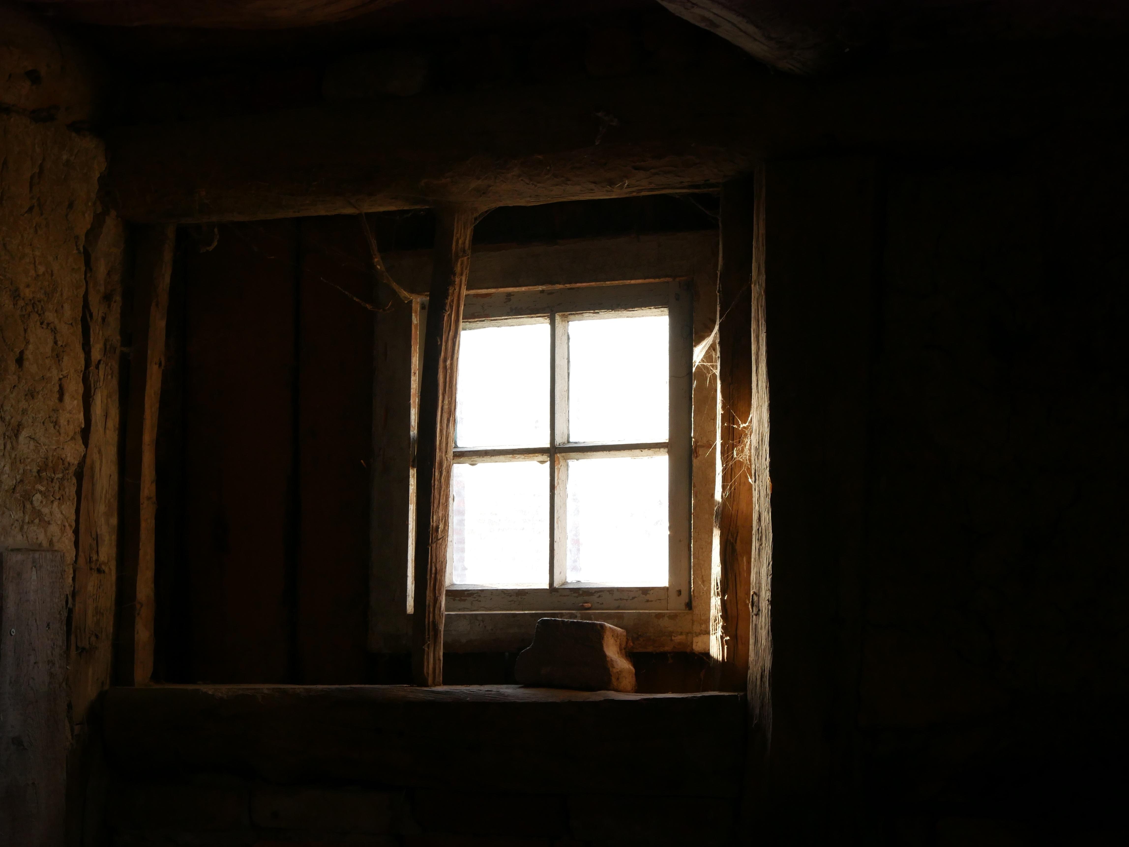 Eclairage Sous Sol Maison images gratuites : lumière, bois, antique, maison, bâtiment