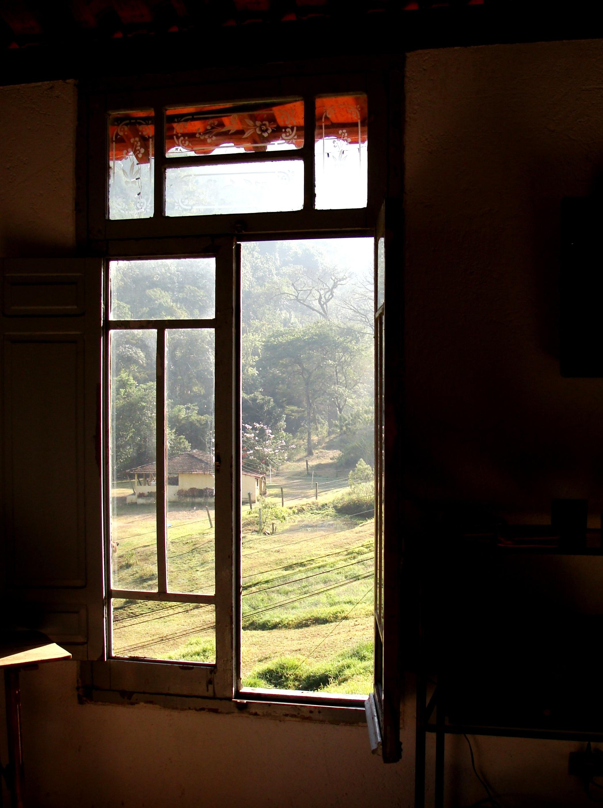 Fotos gratis : ligero, madera, granja, casa, color, marco, paz, sala ...