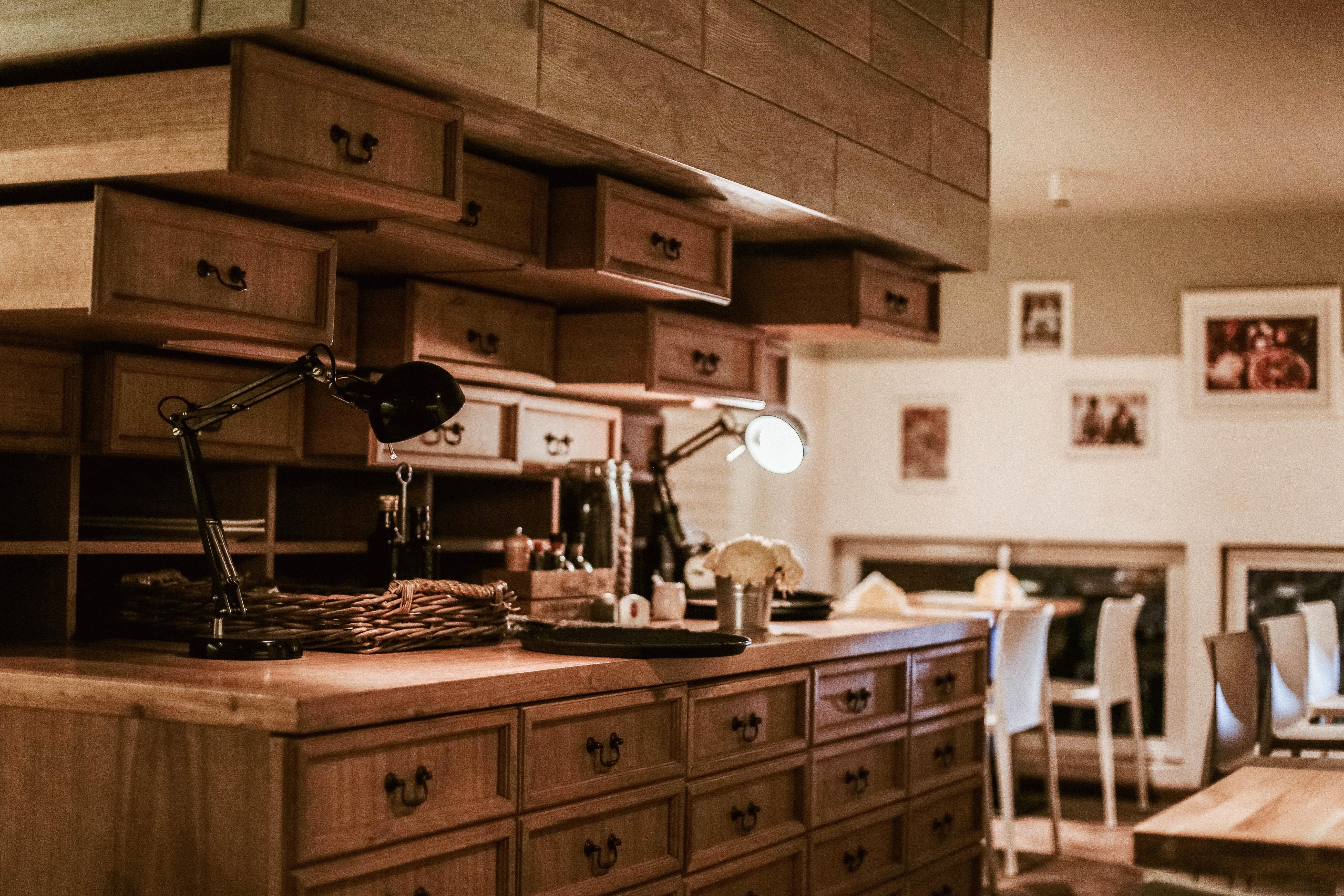 Fotos gratis : ligero, madera, cabaña, interior, cocina, propiedad ...