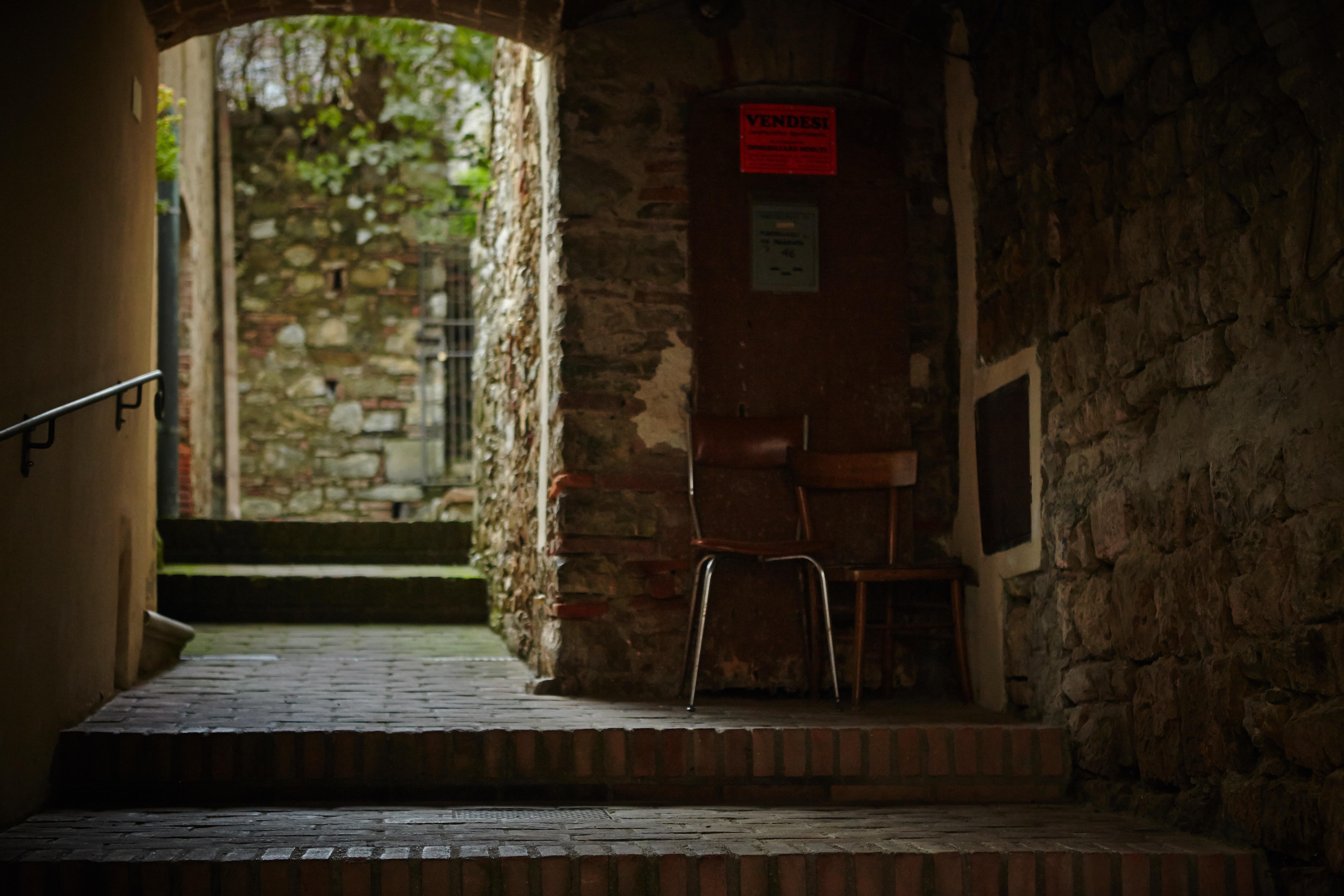 Gratis Afbeeldingen : licht, hout, huis, steeg, muur, huisje ...