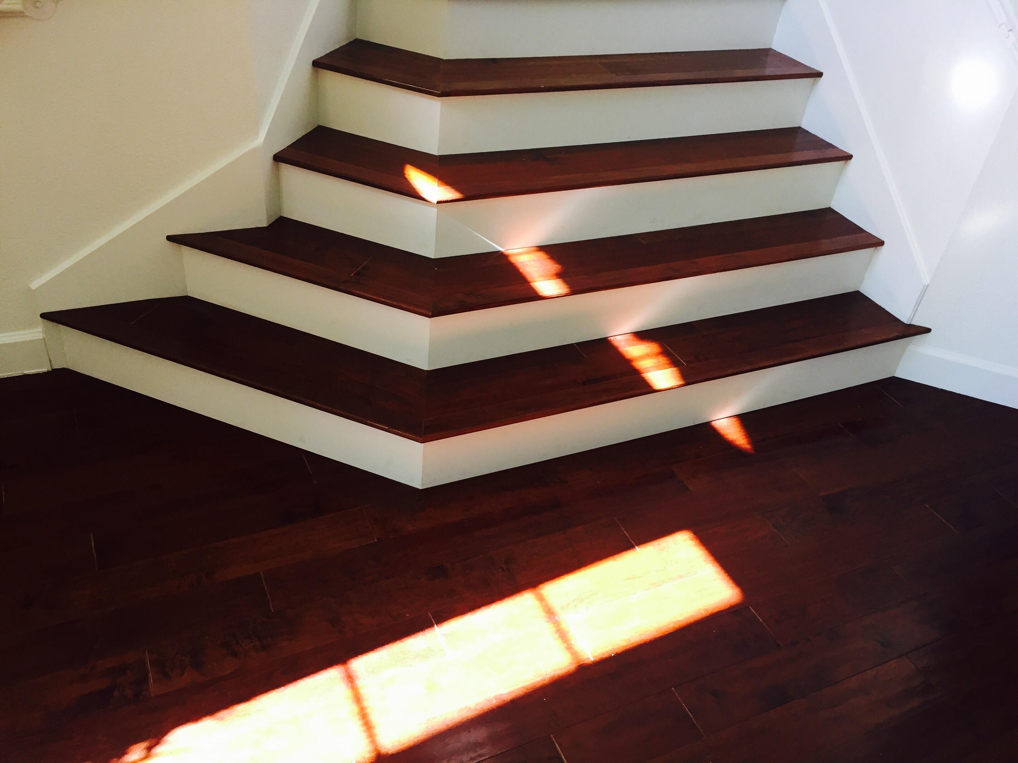 Gratis afbeeldingen licht hout huis verdieping plafond