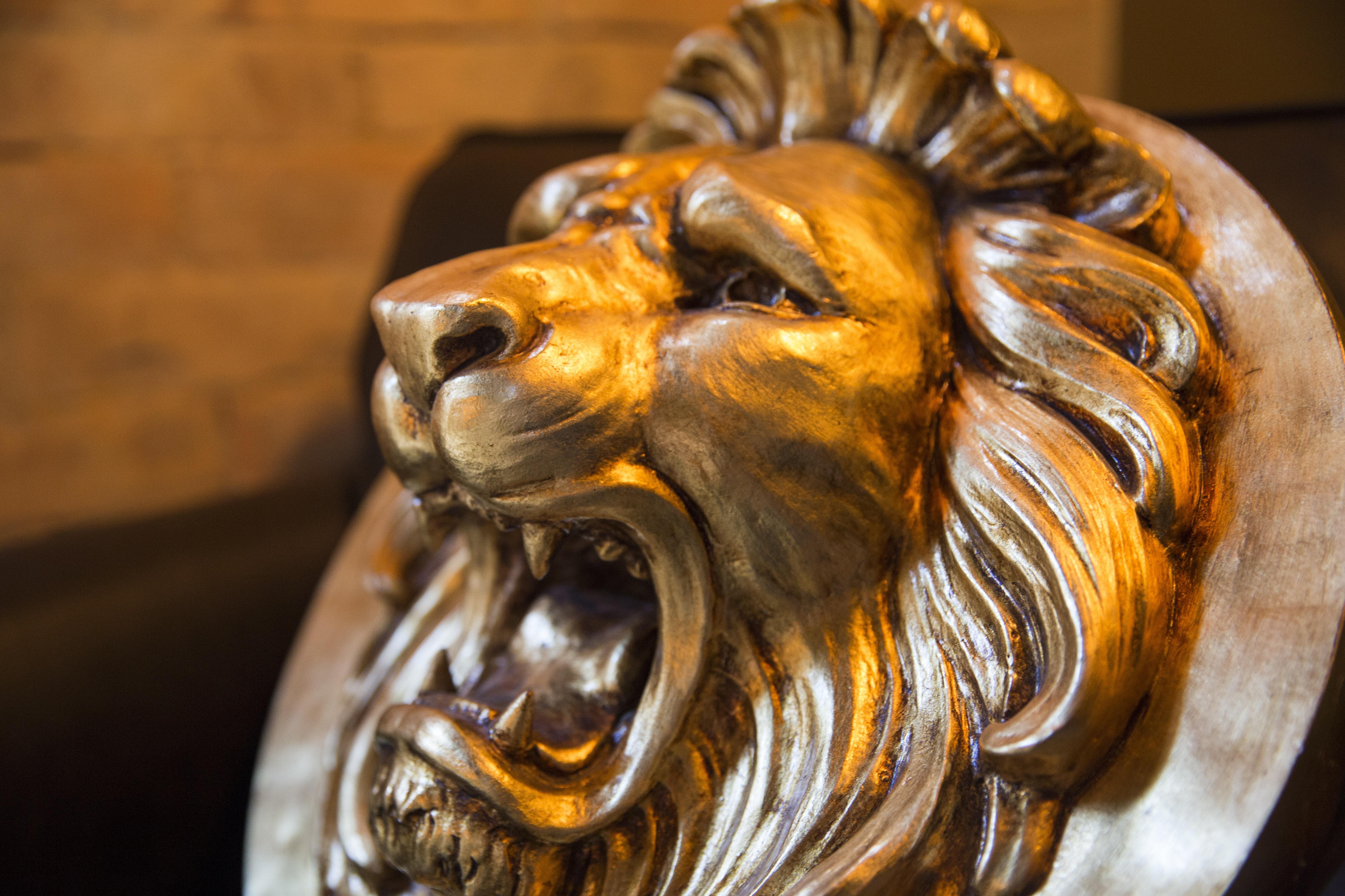 Images gratuites lumi re bois monument statue lion - Photos de lions gratuites ...