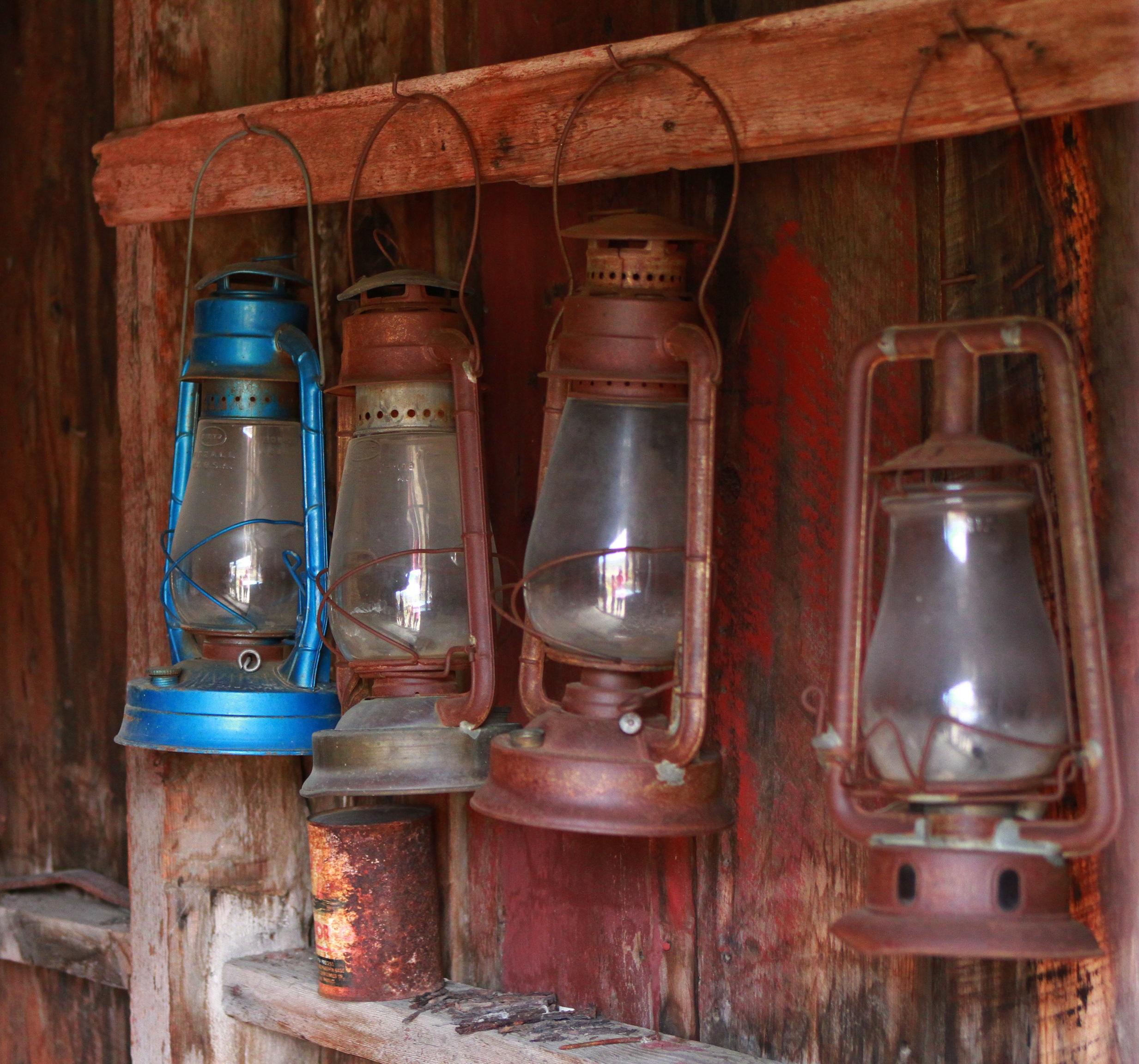 Fotos gratis : ligero, madera, vendimia, antiguo, Retro, vaso, pared ...