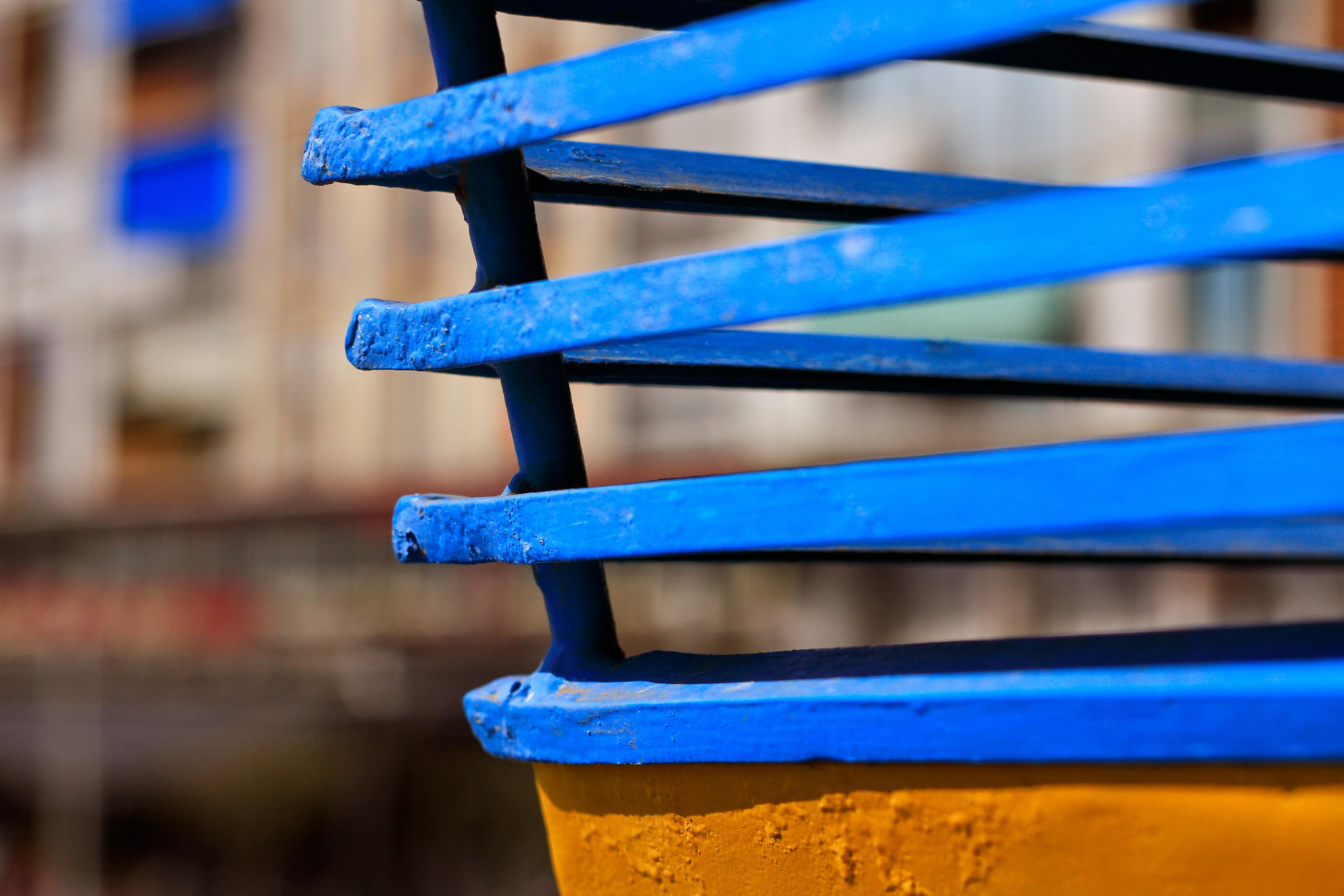 Fotos gratis : línea, vehículo, color, azul, amarillo, material ...