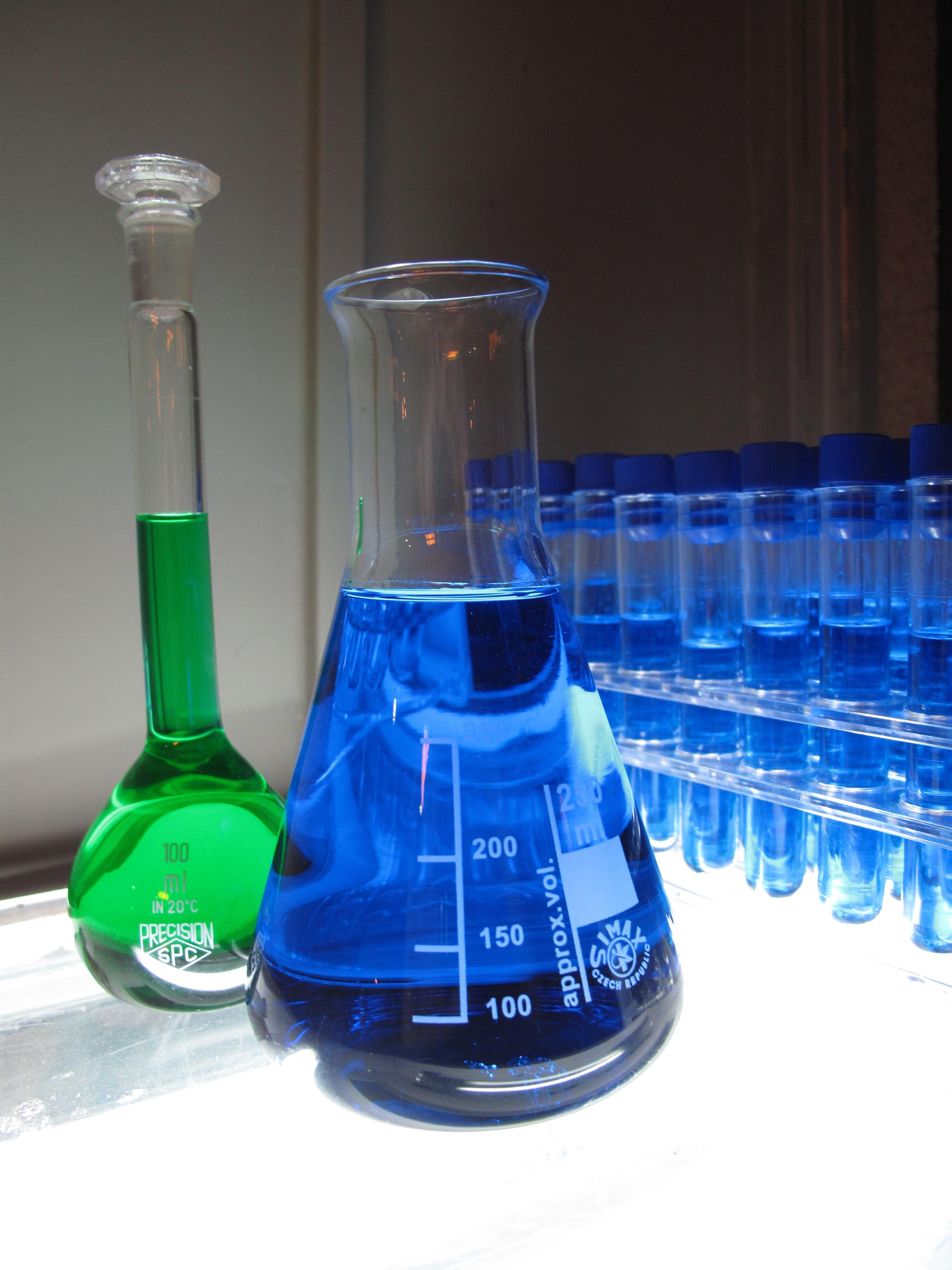 Fotos gratis : líquido, vaso, iluminación, investigación ...