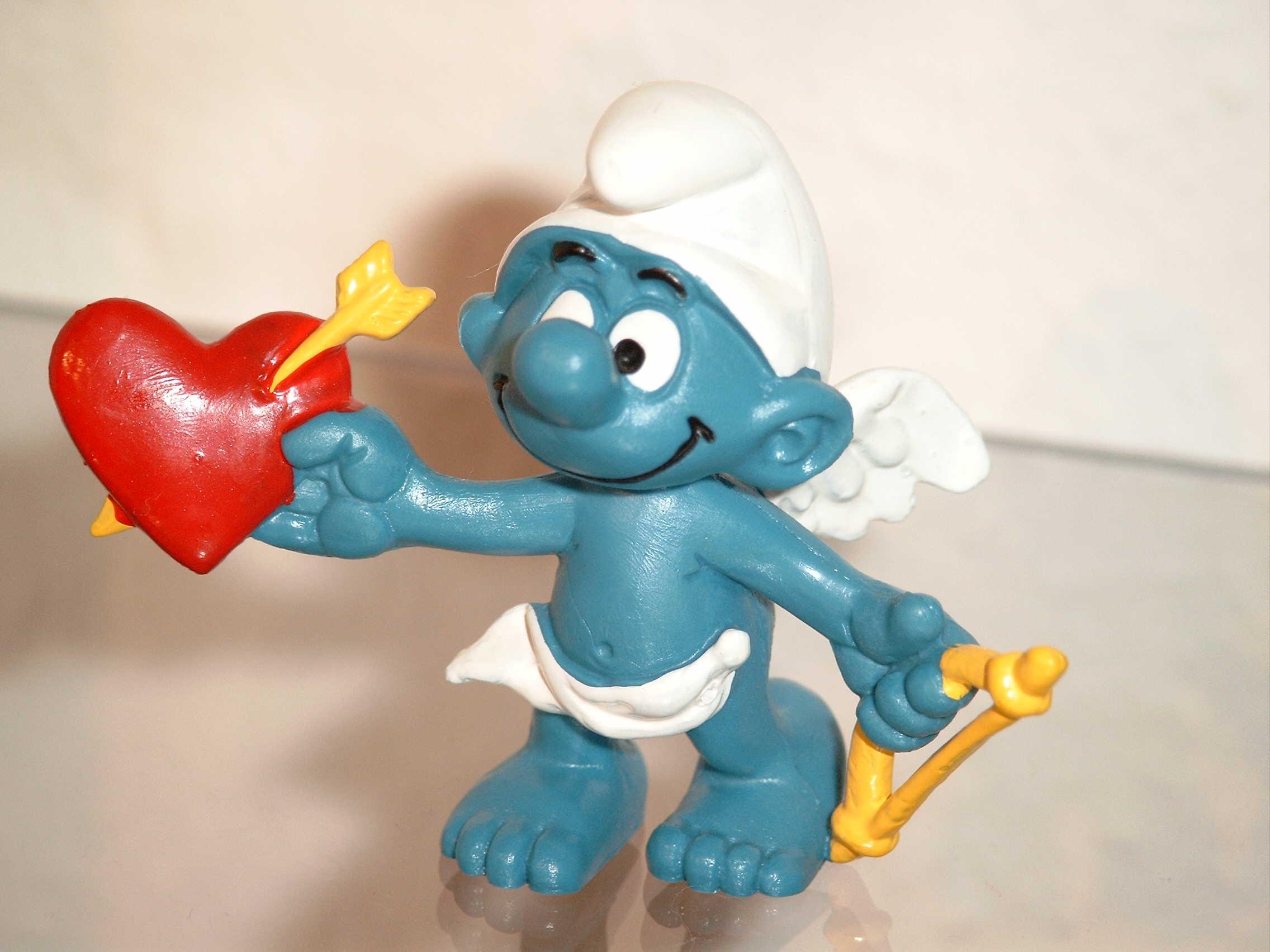 love heart blue toy arrow figurine amor smurfs smurf stuffed toy