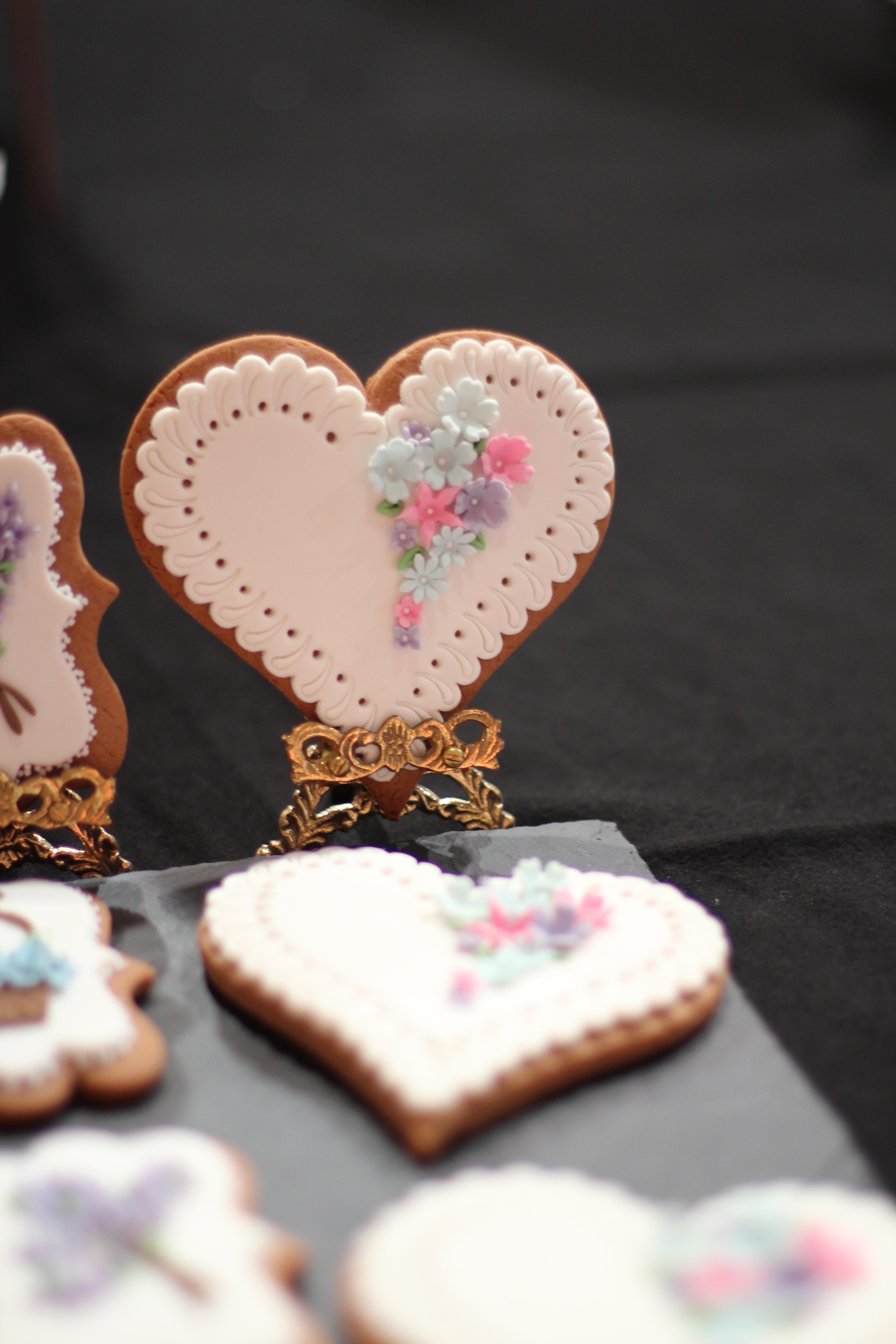 amor corazn comida rosado horneando postre pastel cuerpo humano formacin de hielo organo dulzura productos horneados