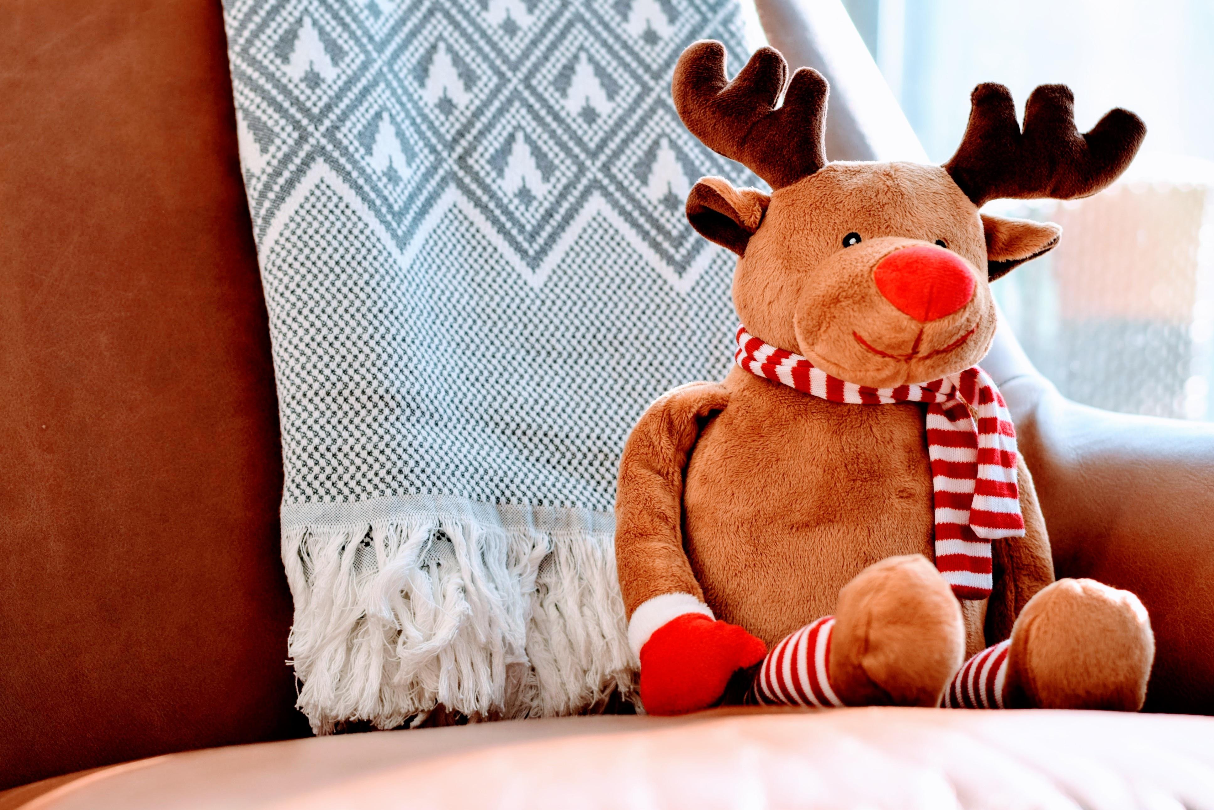 Man Animal Cute Deer Holiday Mammal Cozy Christmas Sofa Toy Indoors Bed  Reindeer Comfort Stuffed Animal