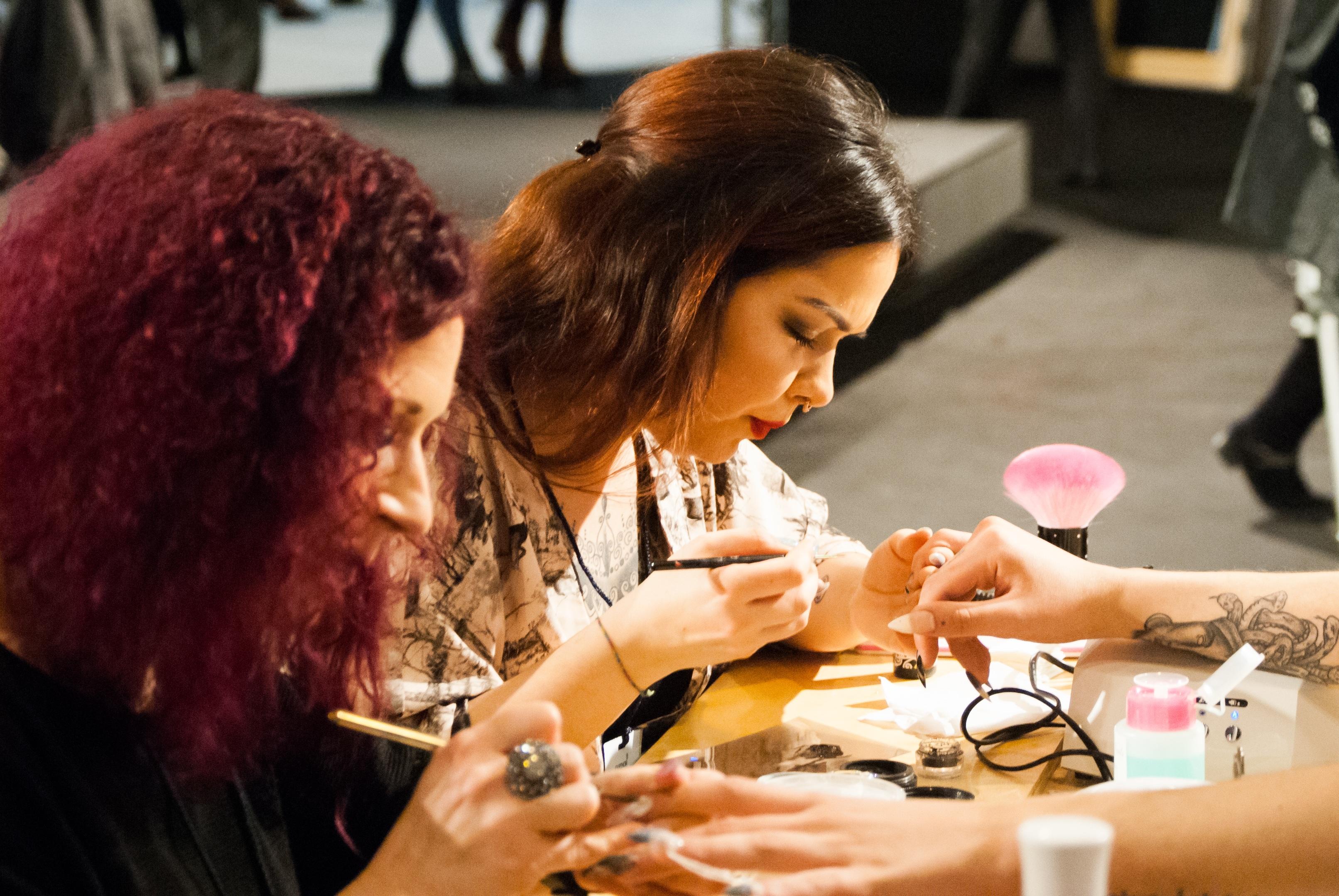 Fotos gratis : hombre, niña, modelo, manicura, mujer, arte de uñas ...