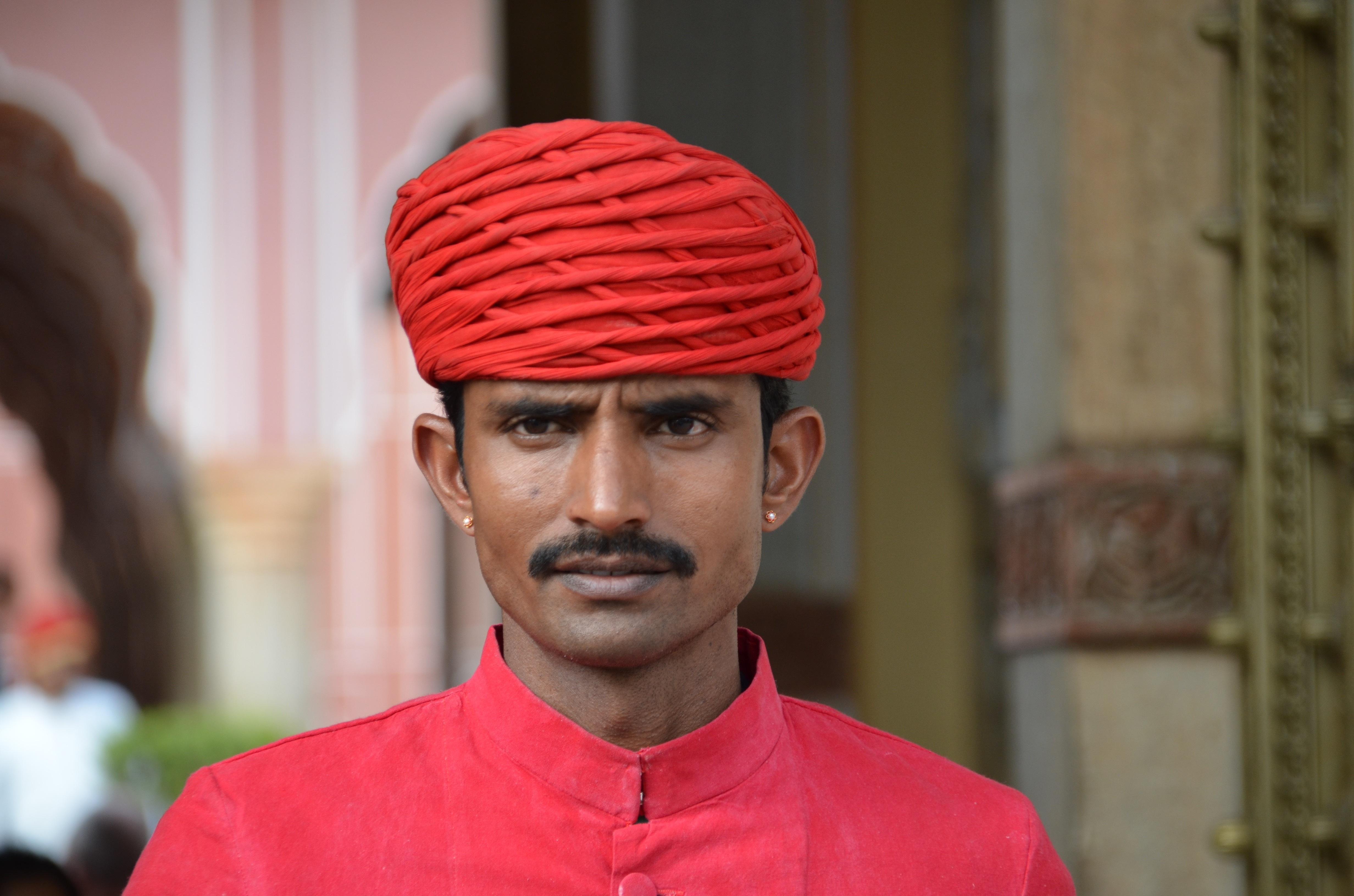 написании сценария индийское мужчины картинки менее загадочен