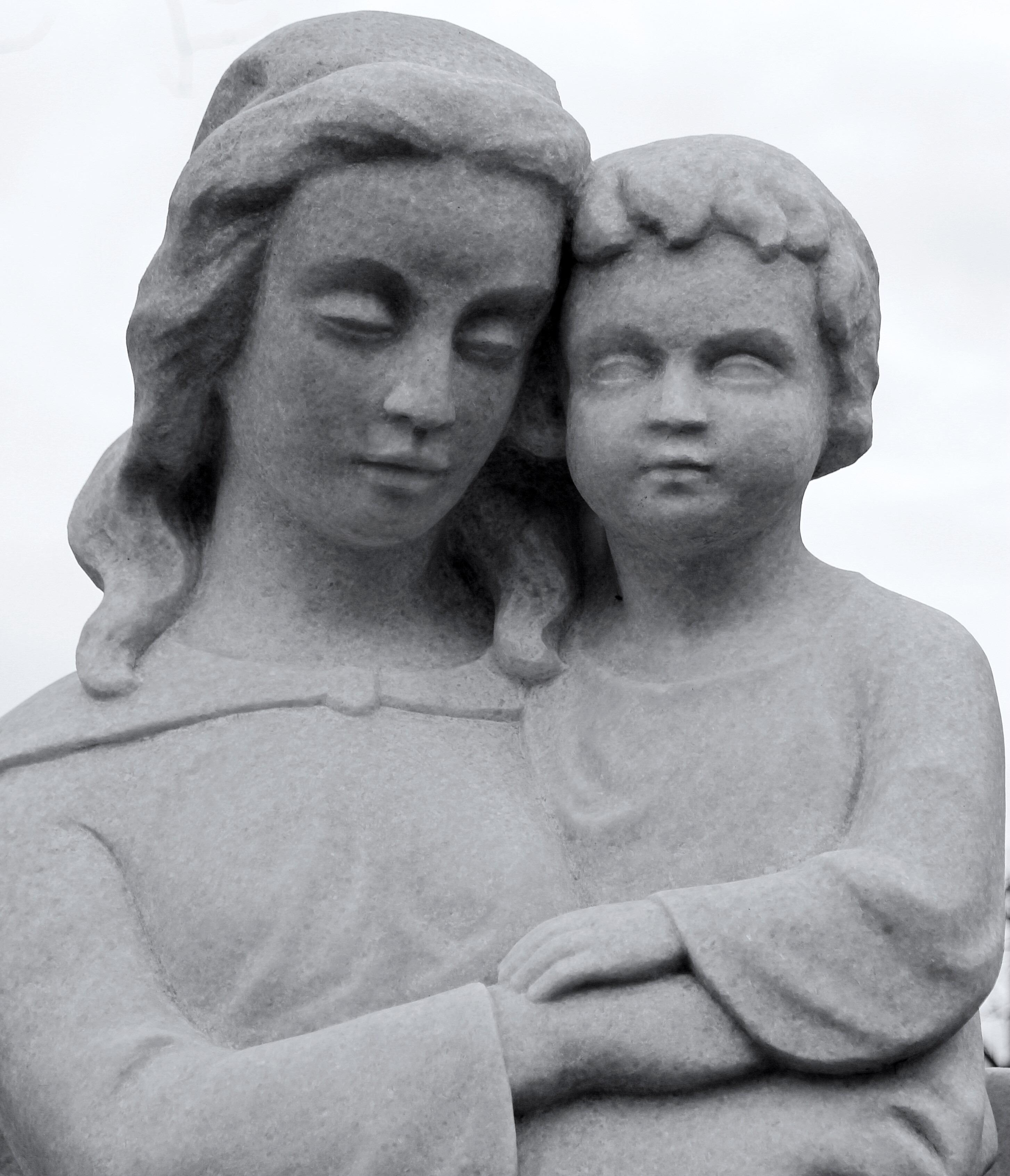 Gambar Orang Hitam Dan Putih Orang Orang Wanita Monumen Duduk Anak Satu Warna Keluarga Seni Angka Gambar Foto Isa Yesus Kristus Madonna Interaksi Ibu Dari Tuhan Eyang Patung Batu Fotografi Monokrom Fotografi