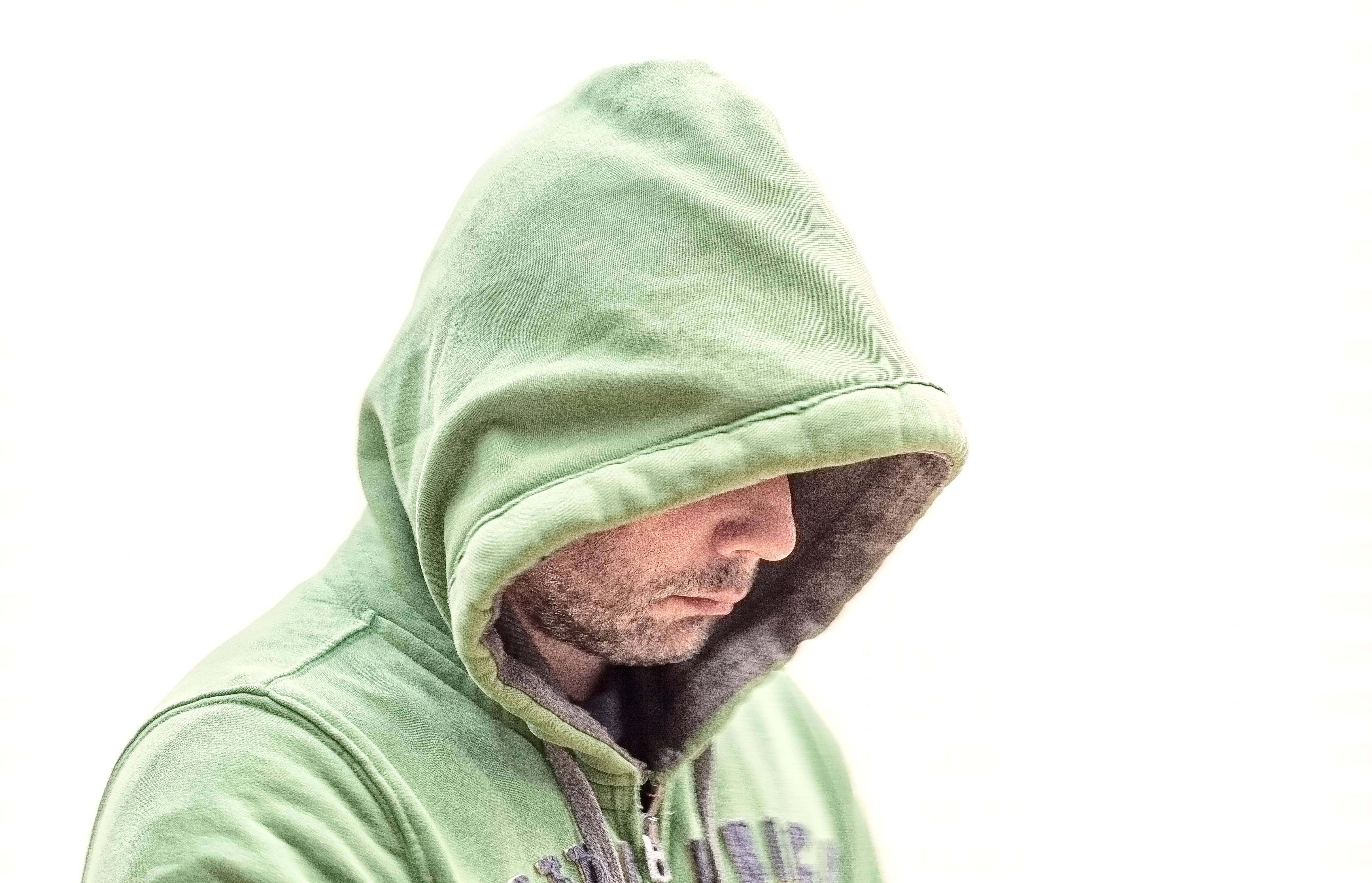 05c1472791af7 Mann person kald grønn hatt klær hodeplagg beanie tekstil lokk drakt  motetilbehør strikke lue