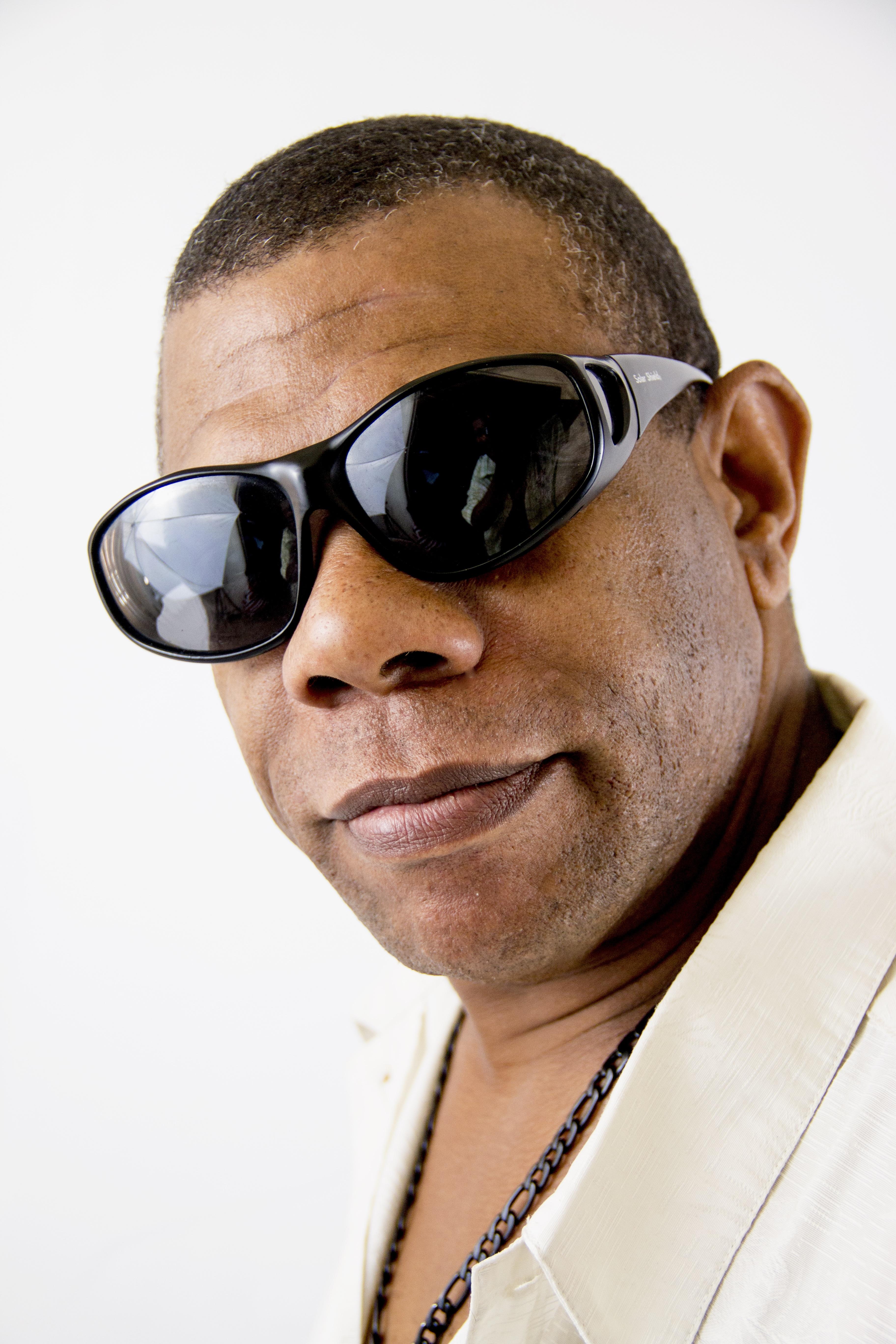 manusia orang rambut pria potret model hairstyle hidung kacamata hitam  kacamata kumis kacamata tampan nuansa menarik 0b0044b77c
