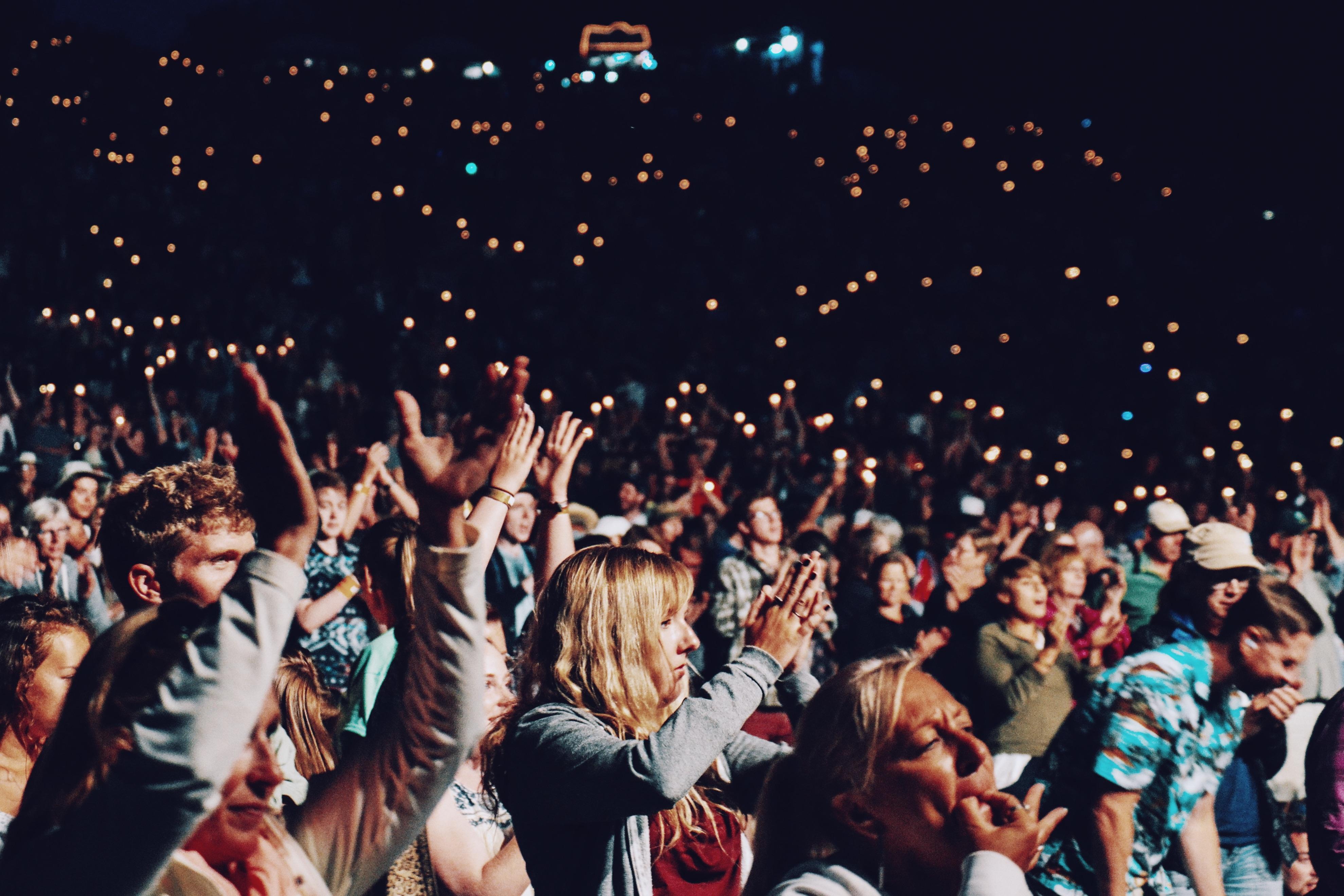 зрители на концерте картинки очень хорошо переносит