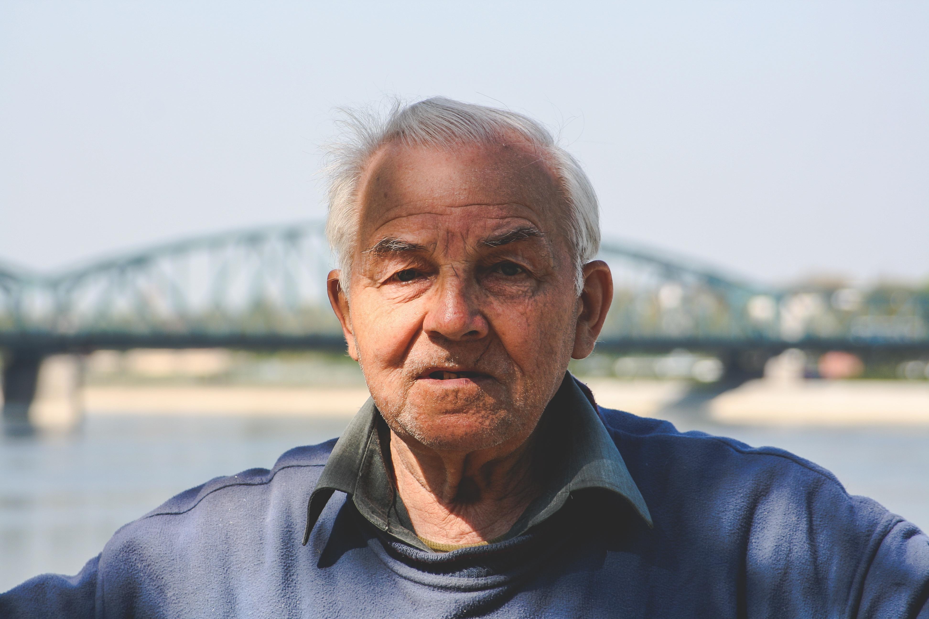 Gambar Orang Orang Orang Tua Pria Potret Biru Raut