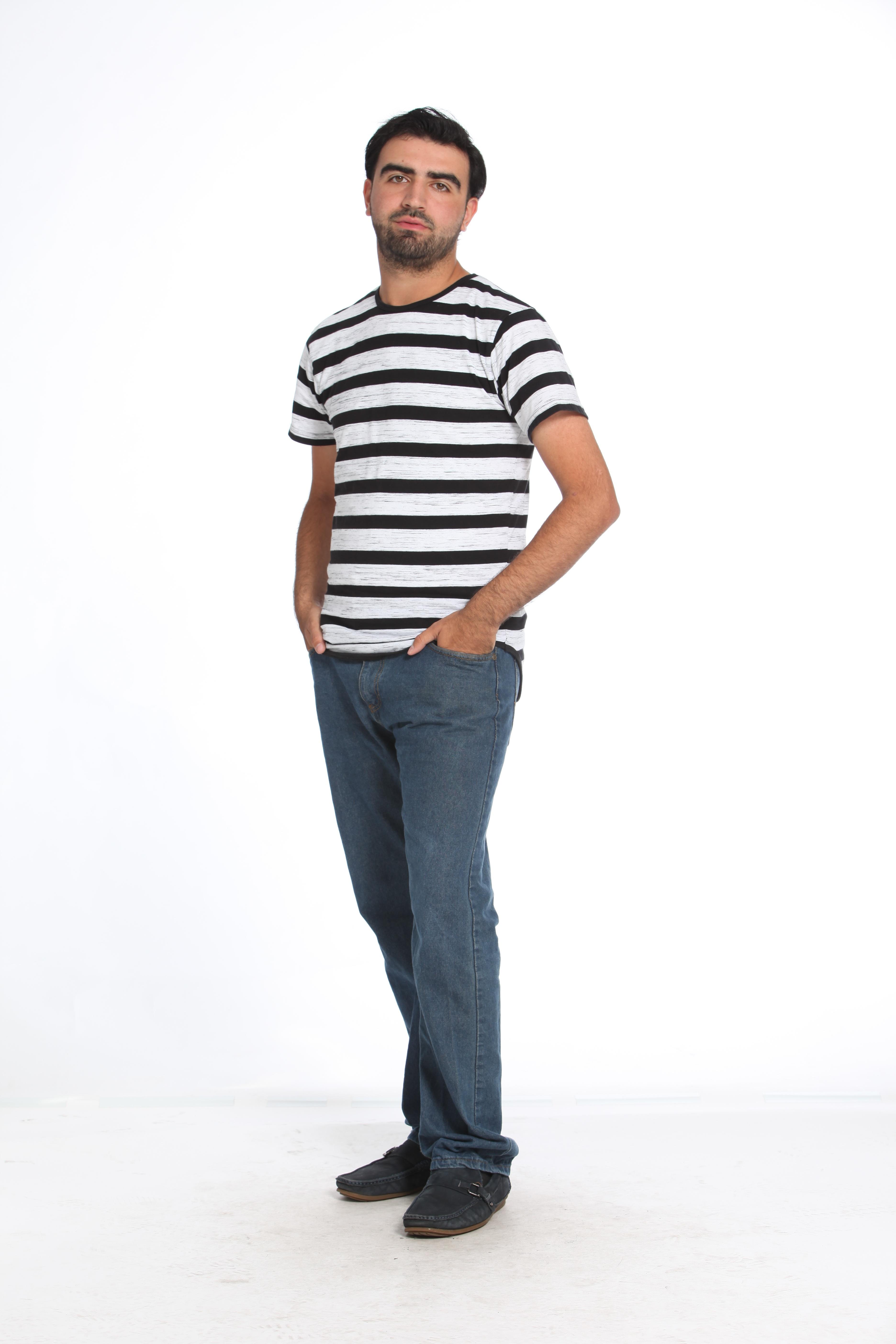 fd0569f55 homem pessoa pessoas fotografia masculino cara padronizar modelo jeans  Primavera profissional roupas agasalhos jeans calçados pose