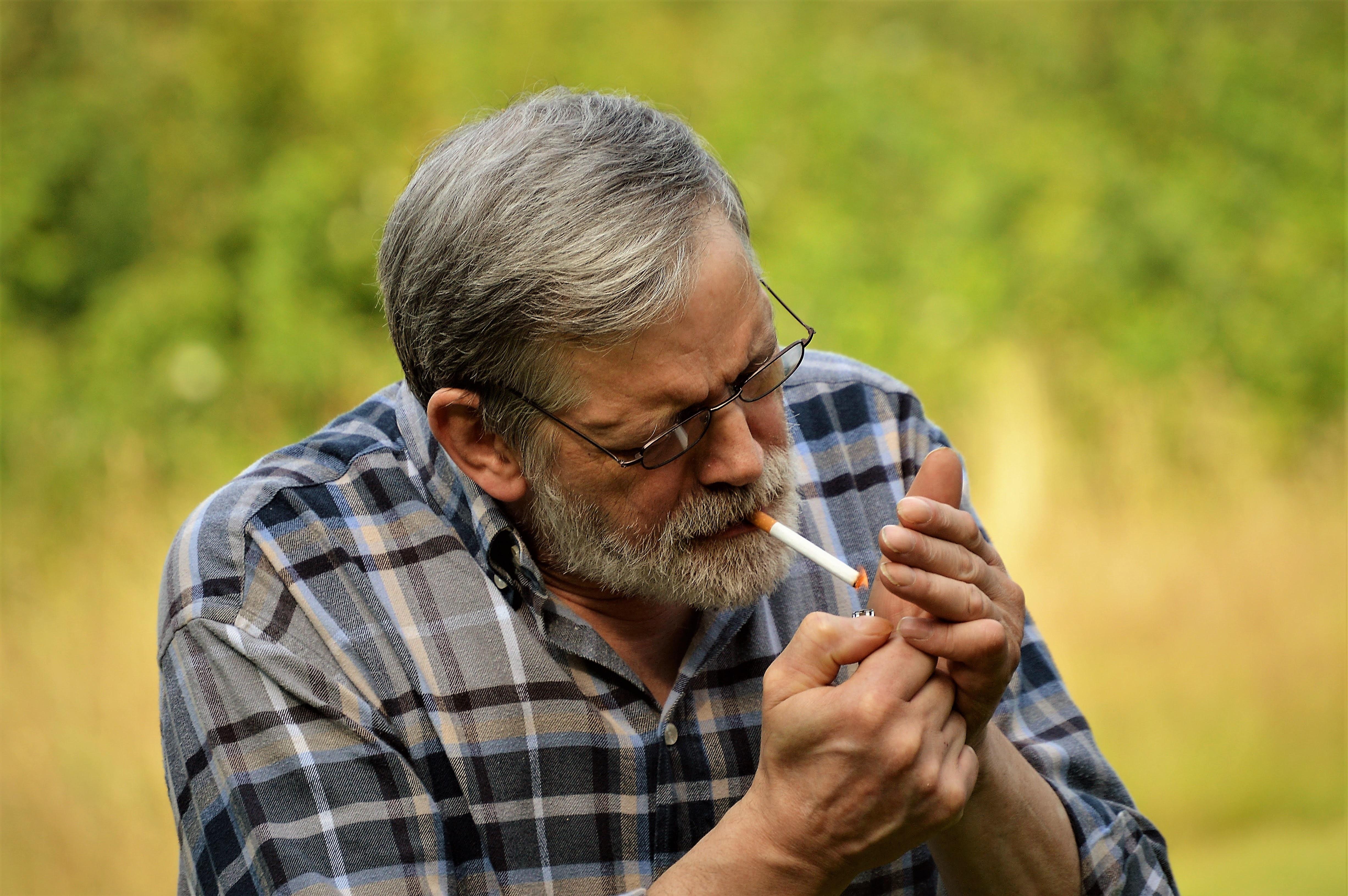 muž na člověka kouří tijuana sex videa