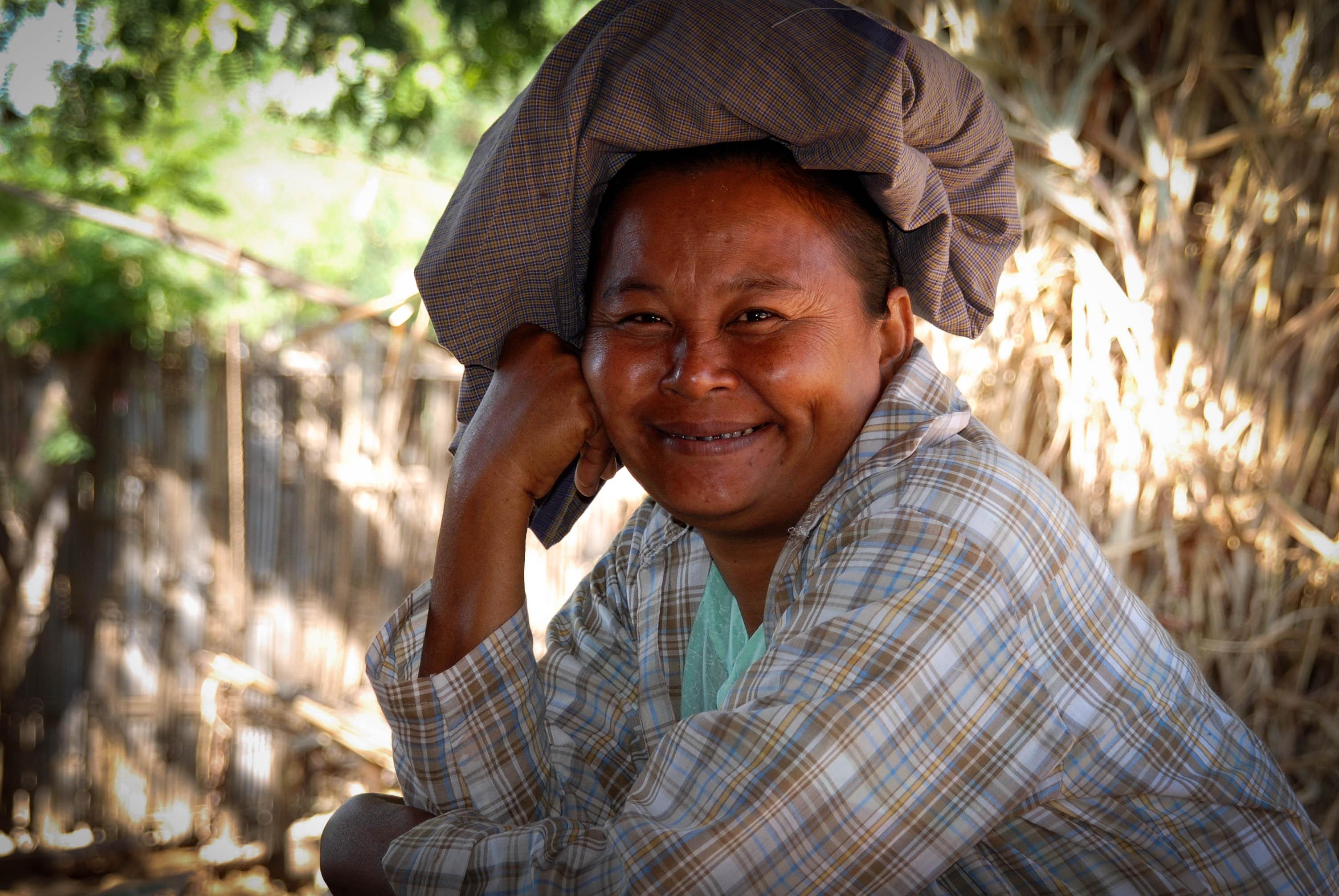 randění rande Bansang Myanmar c4p datování