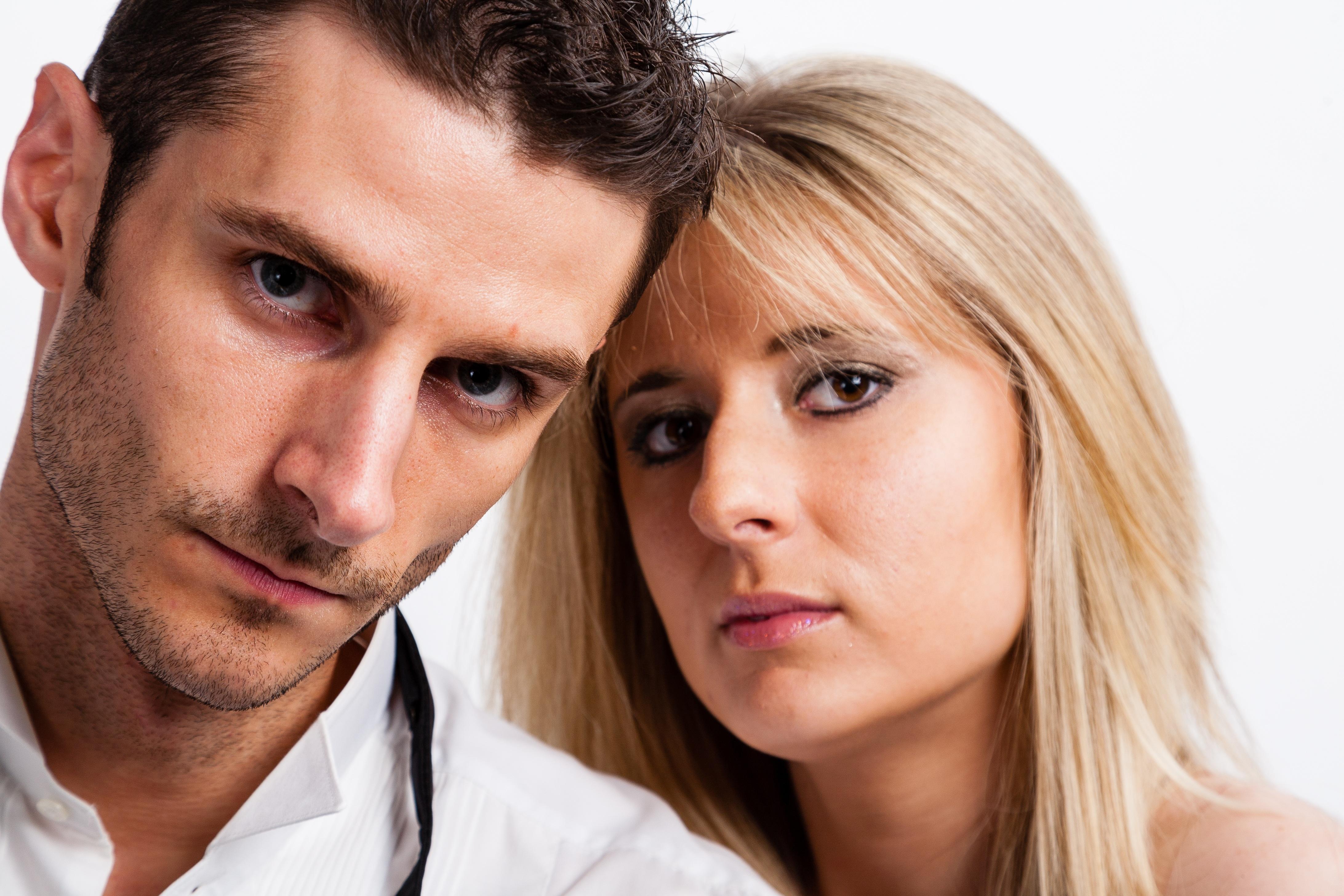 картинки о мужчинах боящихся своих жен всех домашних или