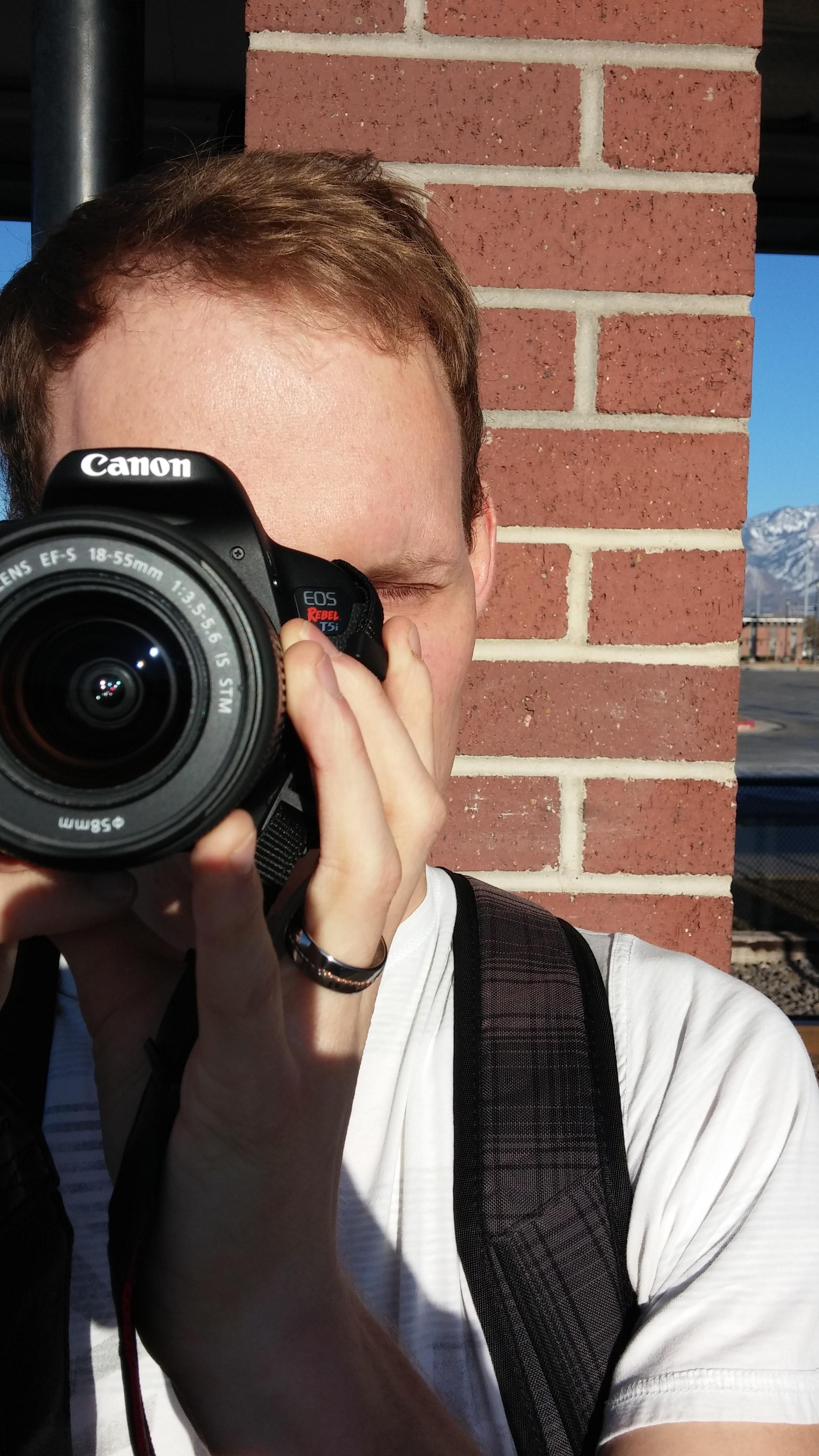 660 Gambar Cowok Keren Pake Kamera Canon Terbaru
