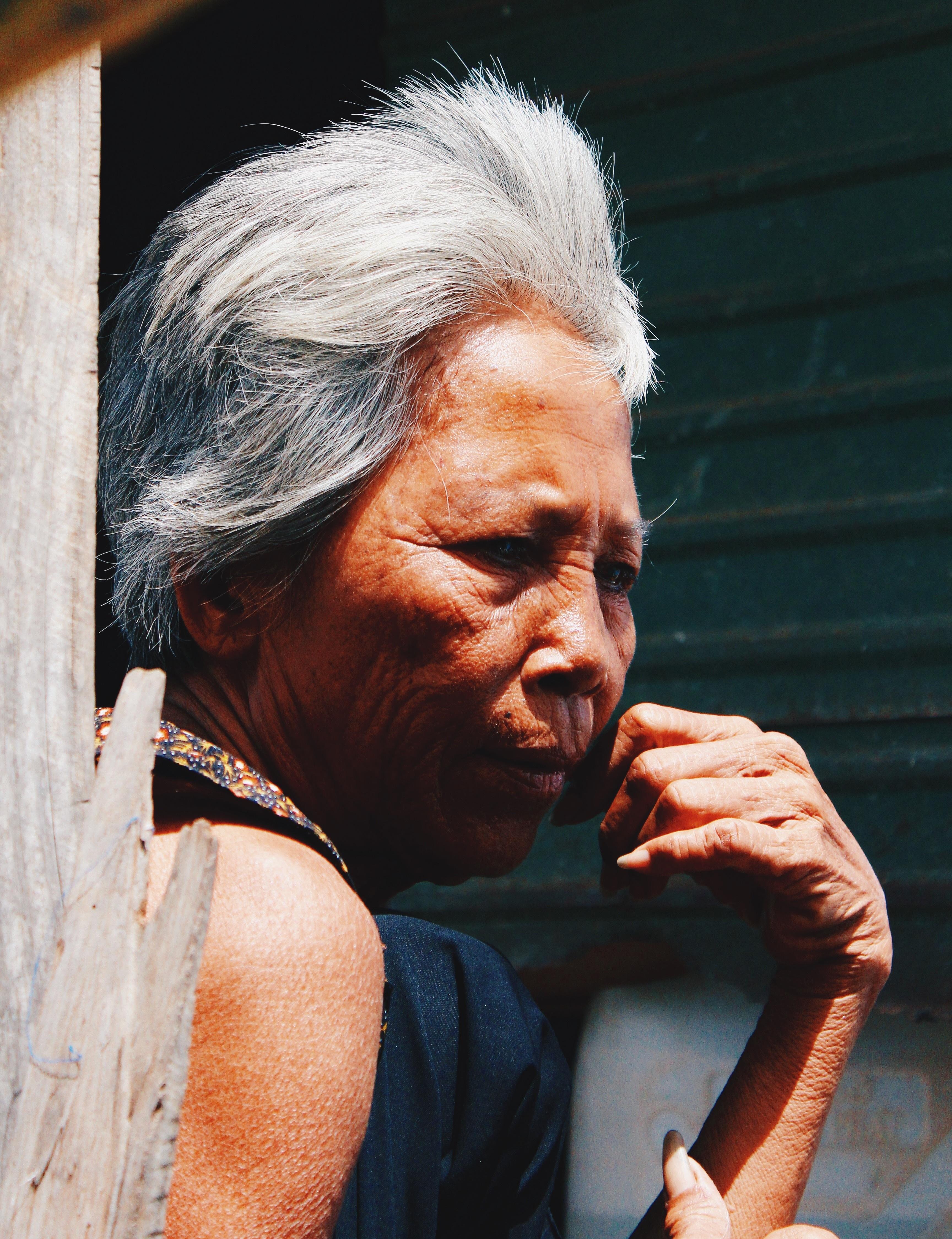 8ea0944d93 Férfi személy nő haj régi férfi női portré szürke hölgy arckifejezés  frizura nagymama idősebb arc orr