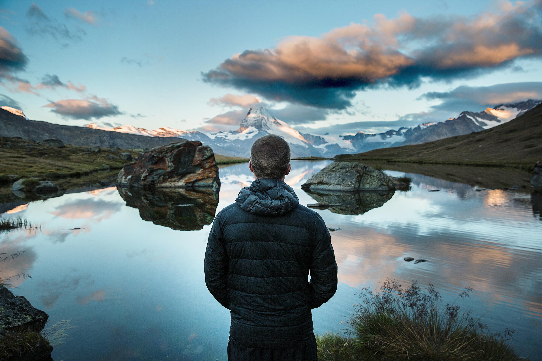 Good Wallpaper Mountain Water - man-sea-water-nature-person-mountain-cloud-sky-sunrise-sunset-sunlight-morning-lake-adventure-view-guy-evening-reflection-peaceful-blue-trip-rocks-mountains-nature-wallpaper-computer-wallpaper-914827  Image_475474.jpg