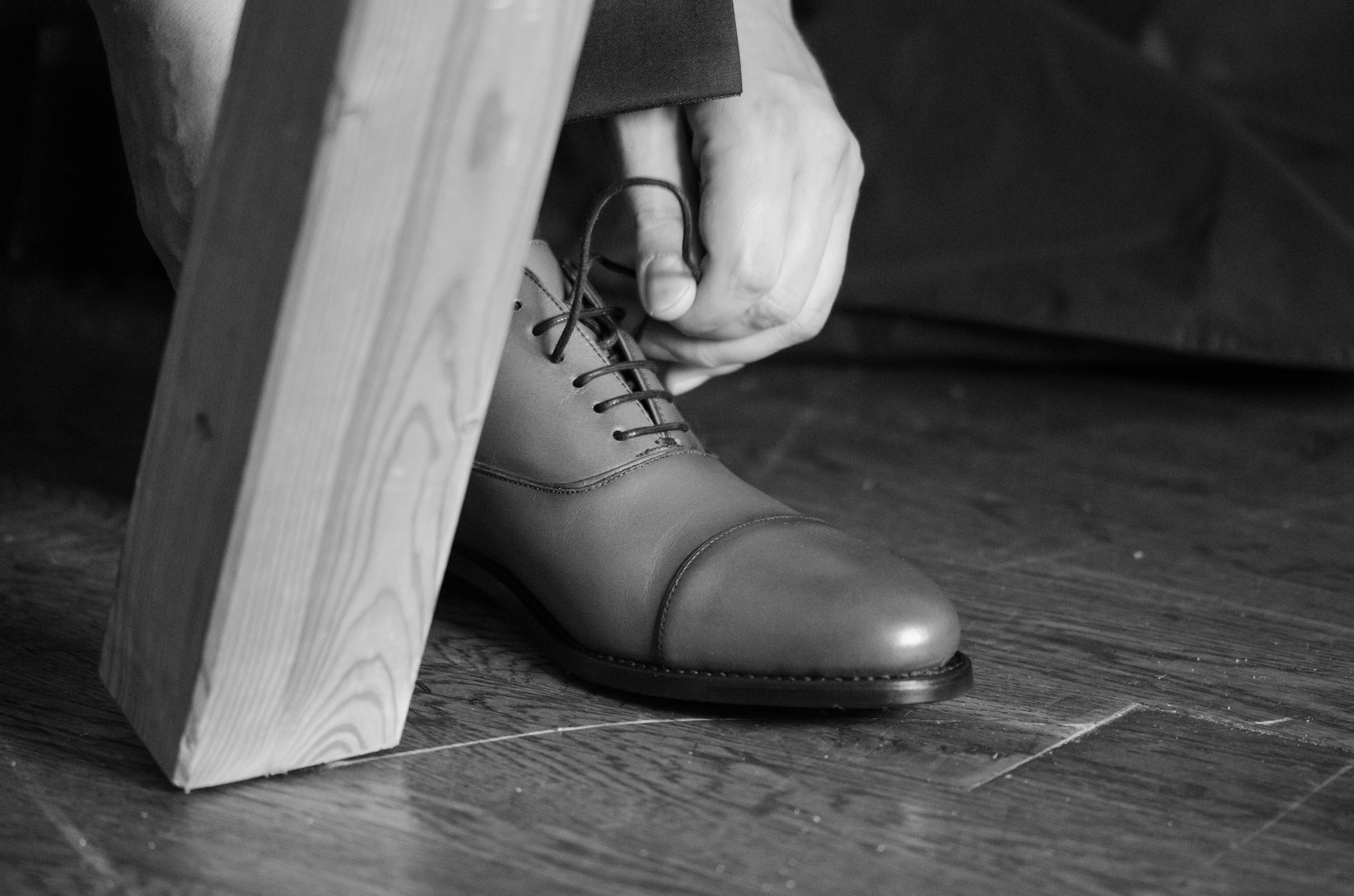 100% genuino vendita calda a buon mercato prese di fabbrica Immagini Belle : uomo, scarpa, bianco e nero, bianca, gamba ...