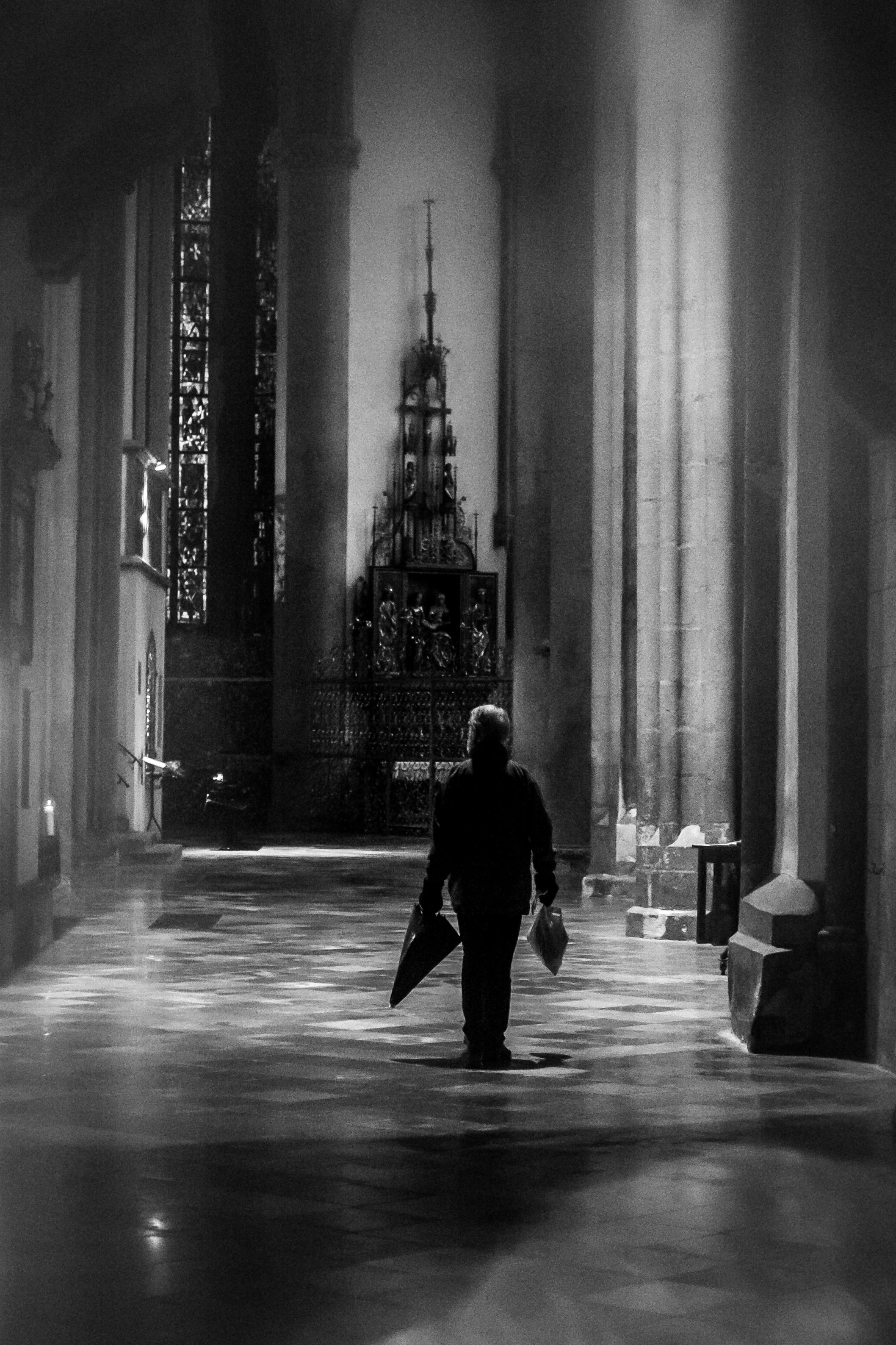 Images gratuites homme silhouette lumi re brouiller for Architecture noir et blanc