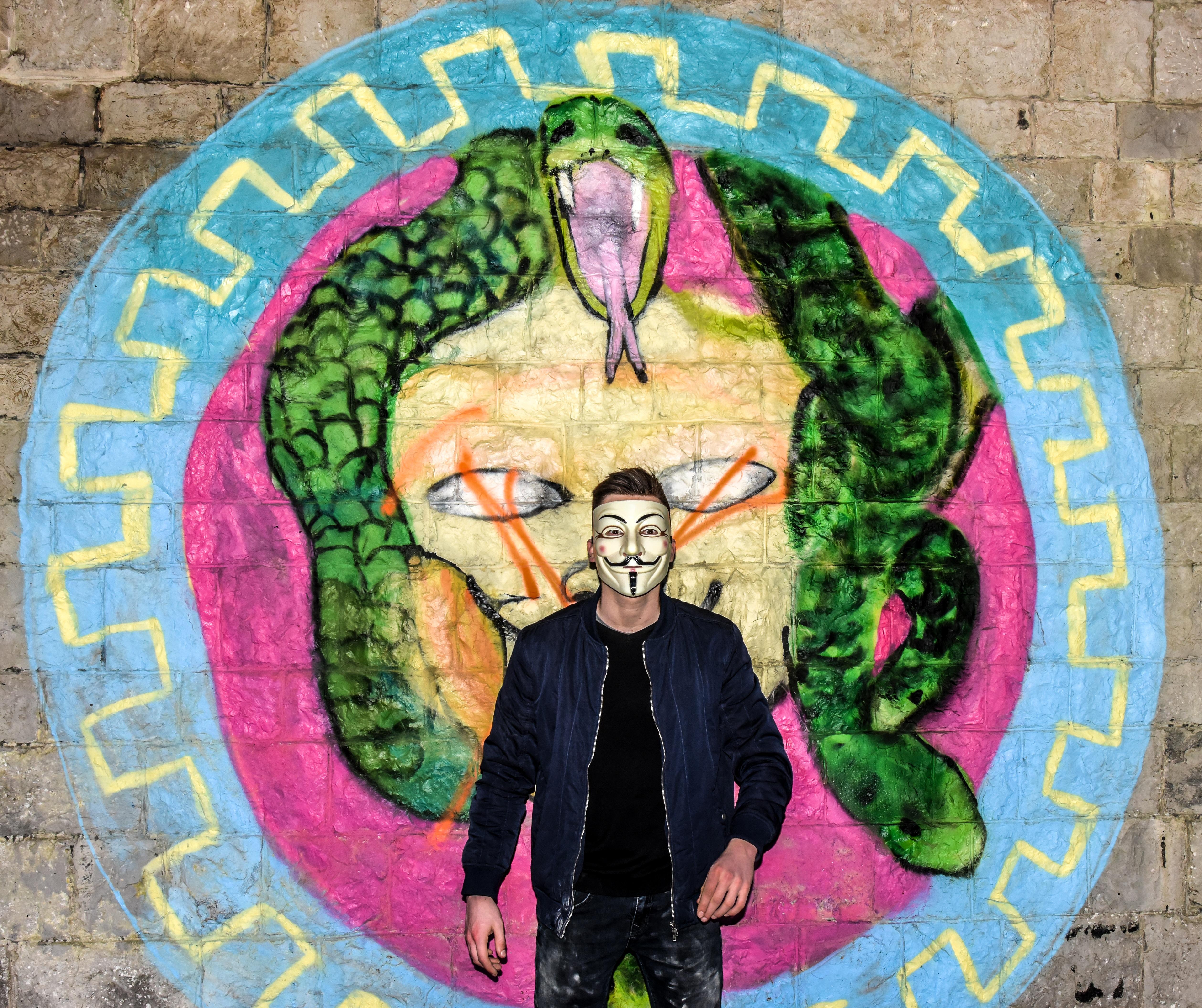 Gambar Manusia Jalan Anak Laki Laki Perkotaan Jelajahi Pria