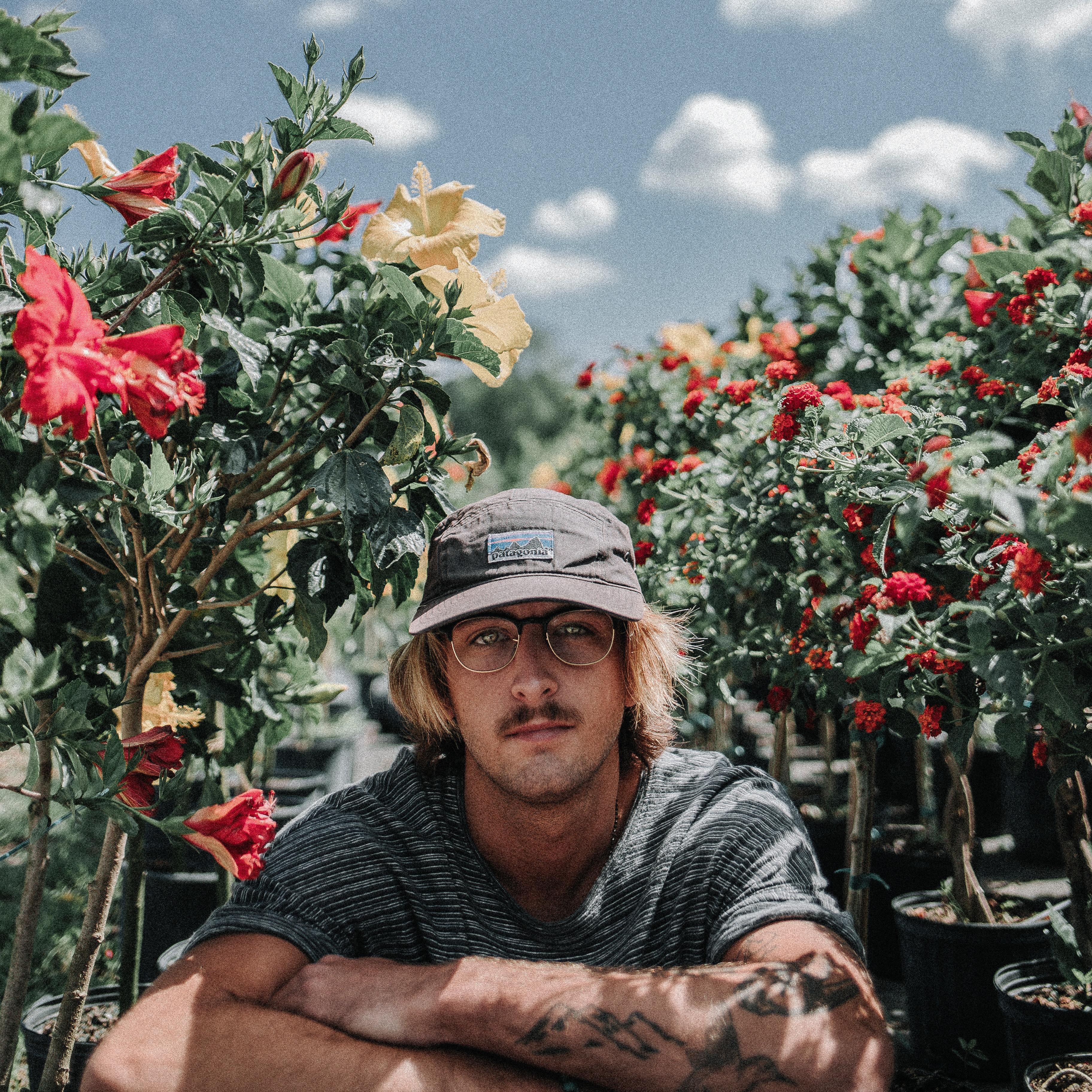 Gambar Manusia Pohon Menanam Bunga Pria Orang Musim Semi