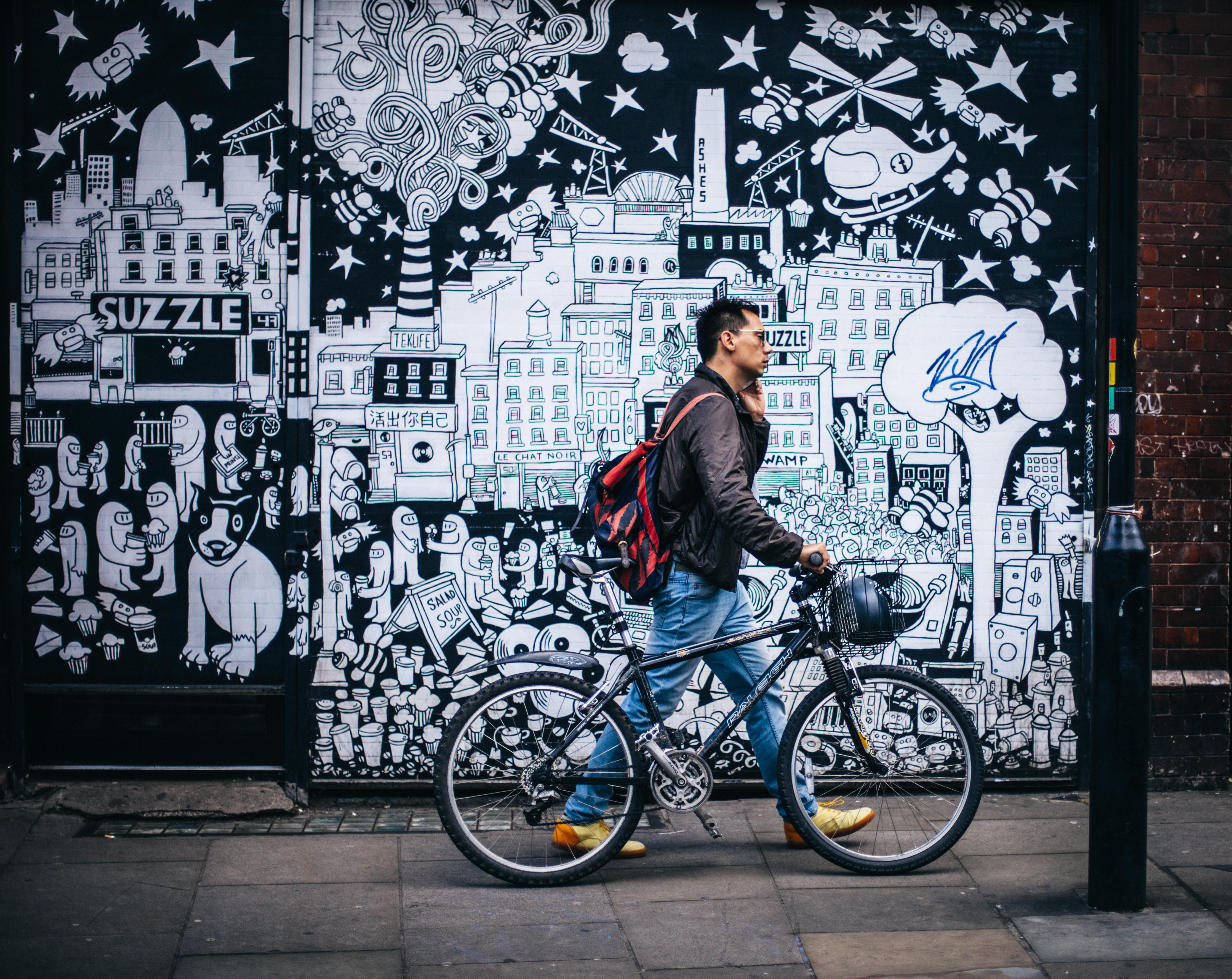 Gambar Manusia Berjalan Jalan Trotoar Kota Perkotaan